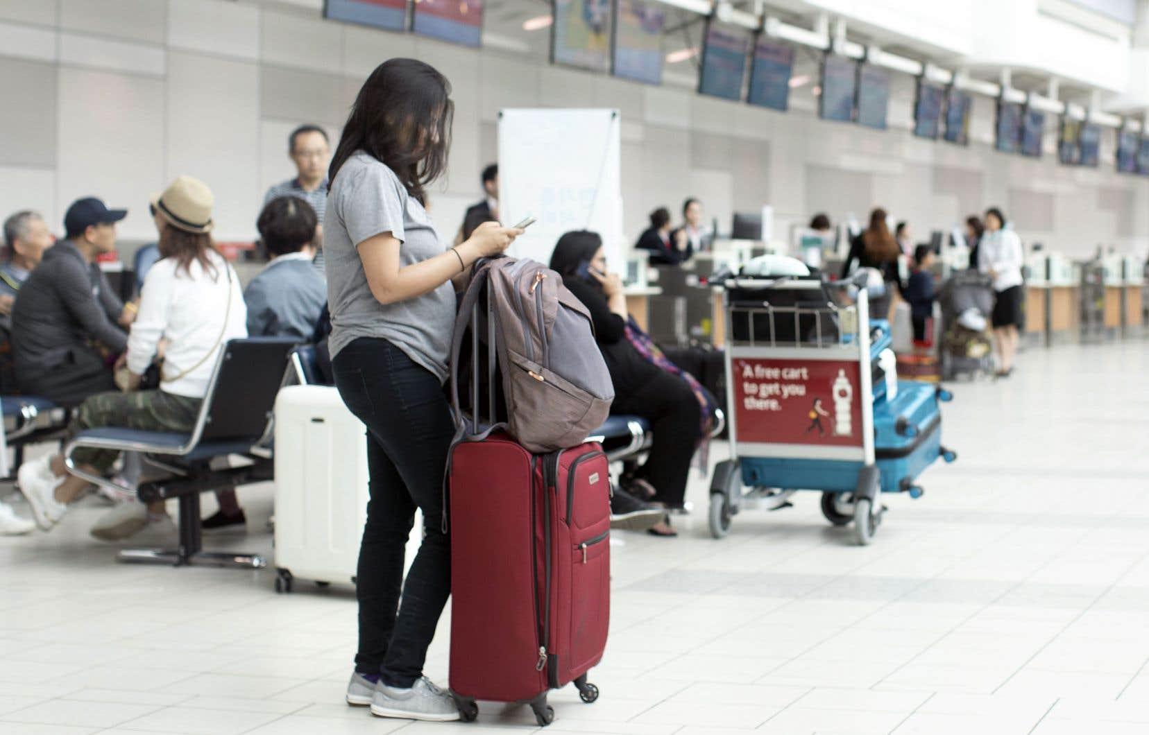 Le commissaire donne 18 mois à l'aéroport Pearson pour «fournir une formation de base en français à tous les représentants du soutien opérationnel».