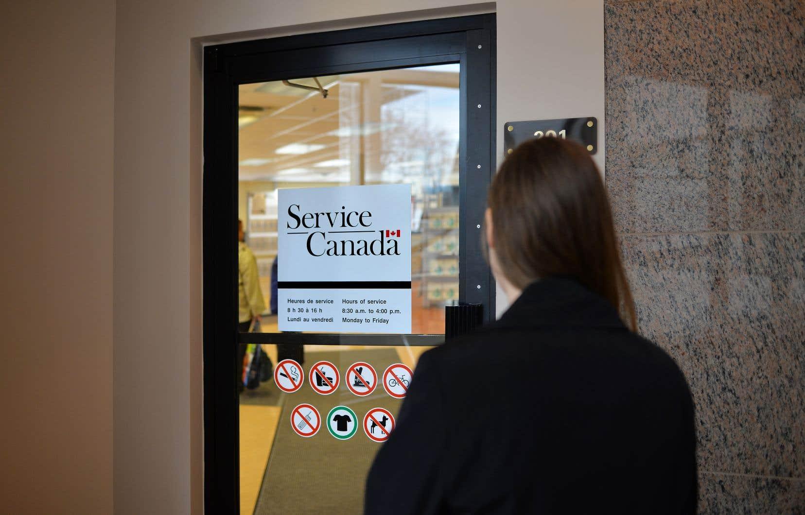 Le marché québécois de l'emploi s'est contracté en octobre et le taux de chômage est passé de 4,8 à 5%.