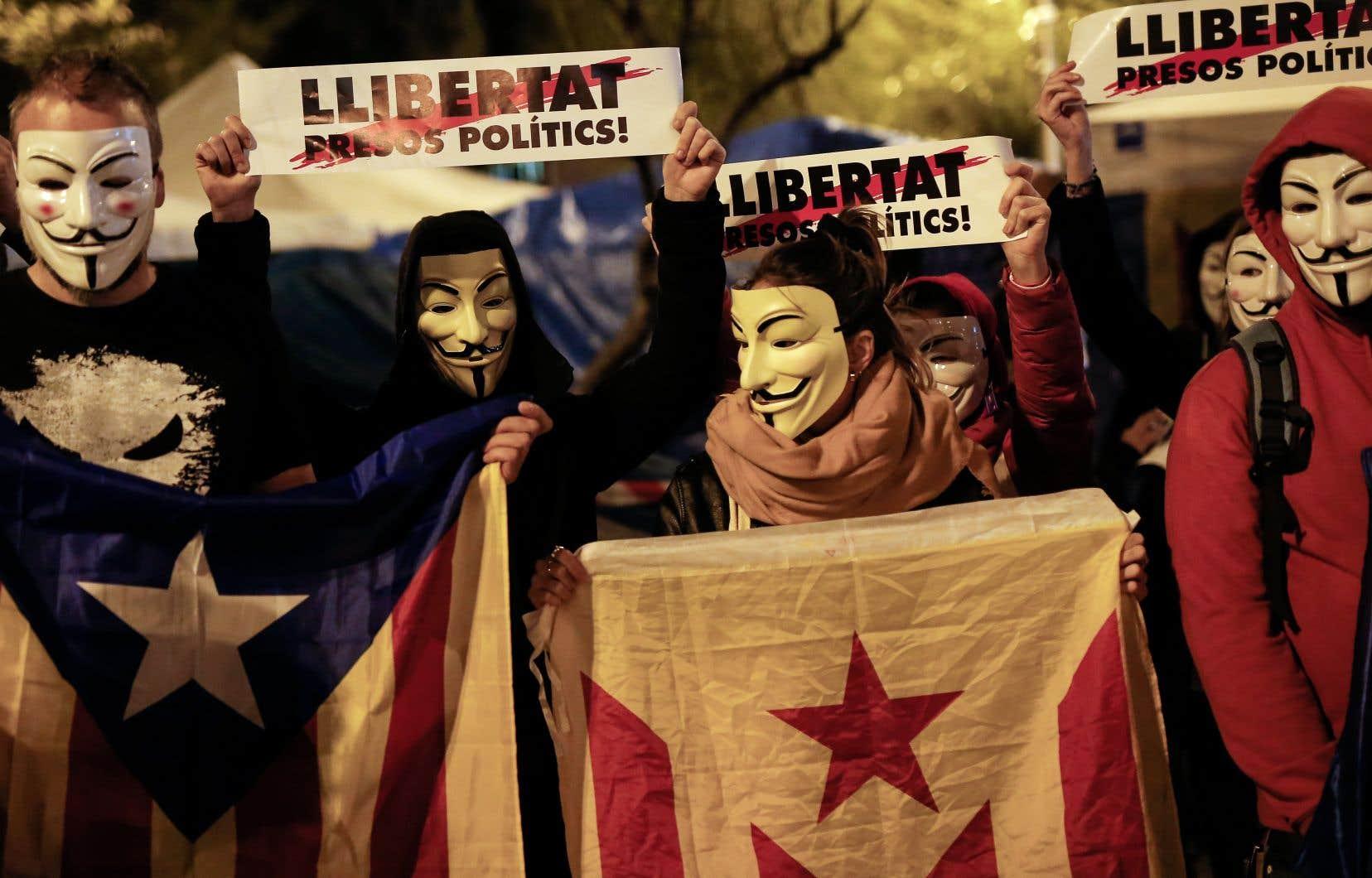 Anonymous Catalonia est une déclinaison de l'organisation de pirates informatiques Anonymous.