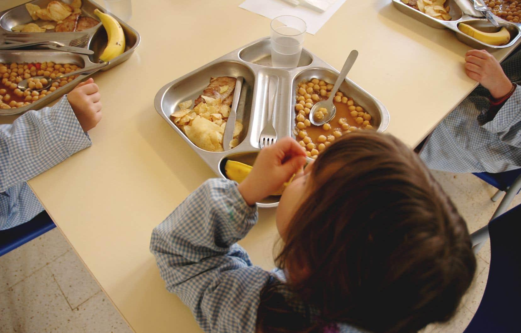 Au total, 950 élèves auront accès dès cette année au projet de repas abordables.