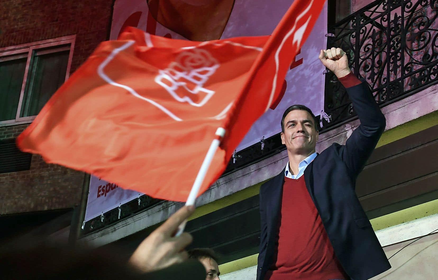 Le Parti socialiste du premier ministre, Pedro Sanchez, n'a fait élire que 120 députés, soit trois de moins qu'aux élections tenues en avril dernier.