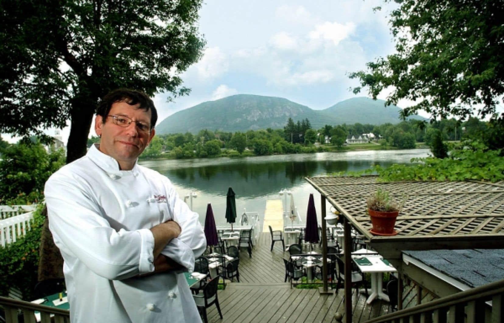 Le chef du Jozéphil, un restaurant sis dans le Vieux-Beloeil, sur les bords de la rivière Richelieu.<br />
