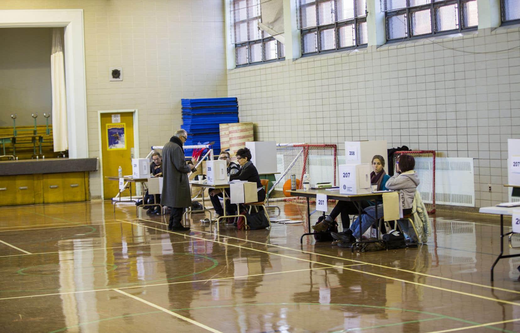 Les taux de participation aux élections scolaires sont dérisoires.
