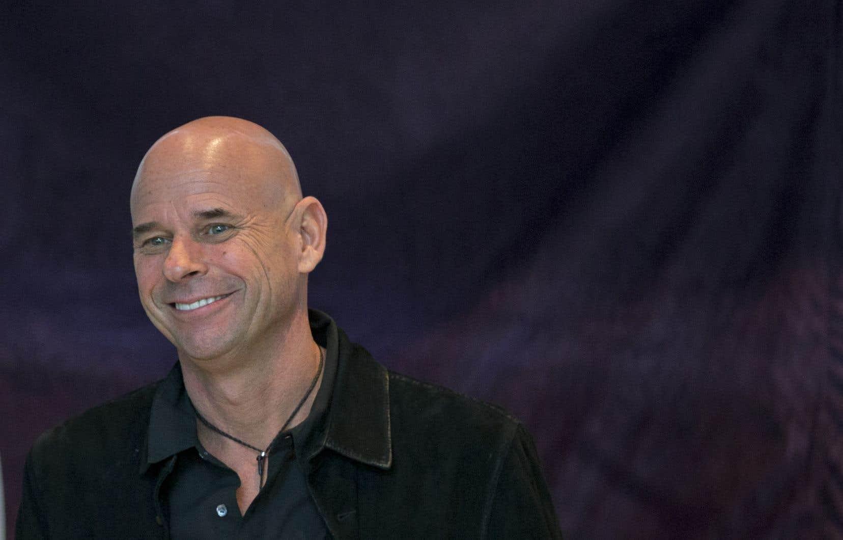 Guy Laliberté s'est surtout fait connaître pour avoir fondé le Cirque du Soleil en 1984, mais aussi pour avoir fait du tourisme spatial à bord de la Station spatiale internationale en 2009.