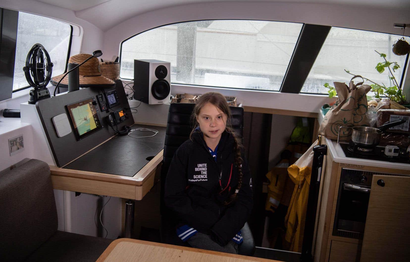 <p>Greta Thunberg a embarqué avec son père, Svante, sur le voilier <em>La Vagabonde</em>, qui appartient à un jeune couple australien.</p>