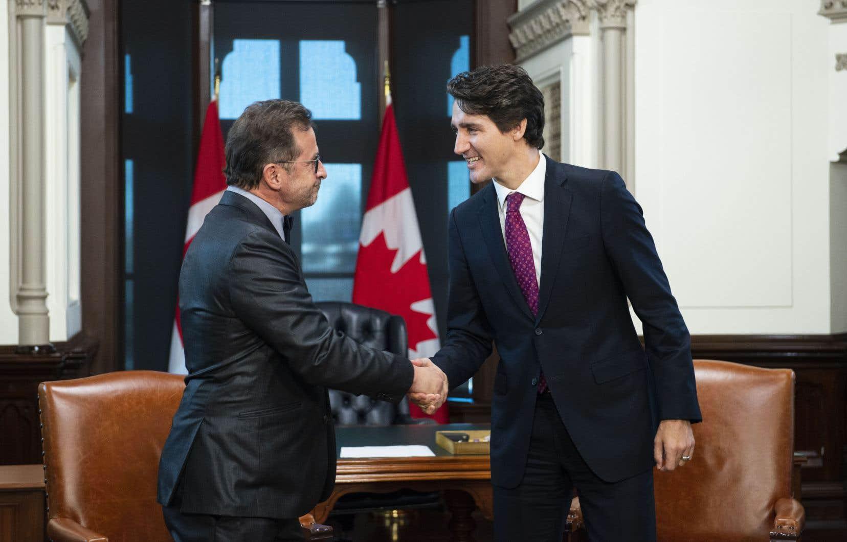 Le chef bloquiste, Yves-François Blanchet, est accueilli par le premier ministre, Justin Trudeau.