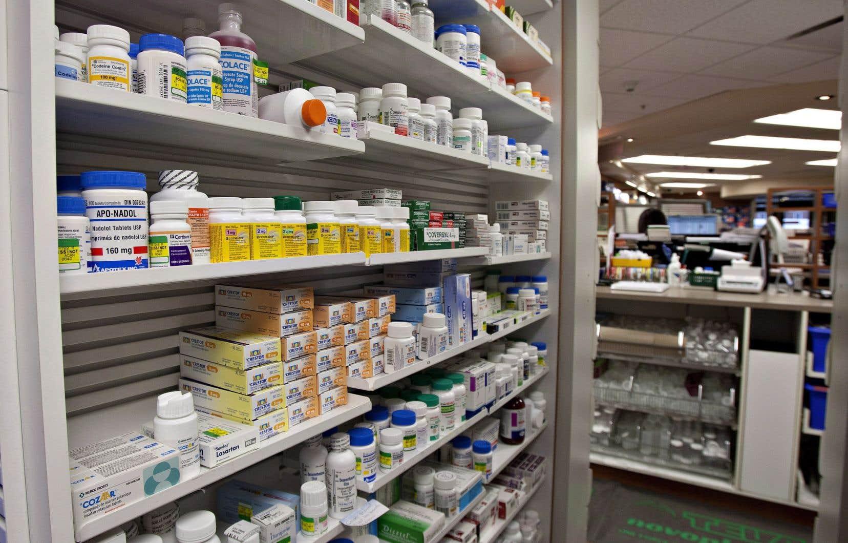 Des produits pharmaceutiques sont constamment rejetés dans l'environnement à partir des usines qui les fabriquent, des gens qui les consomment ou de ceux qui s'en départent de façon inadéquate.