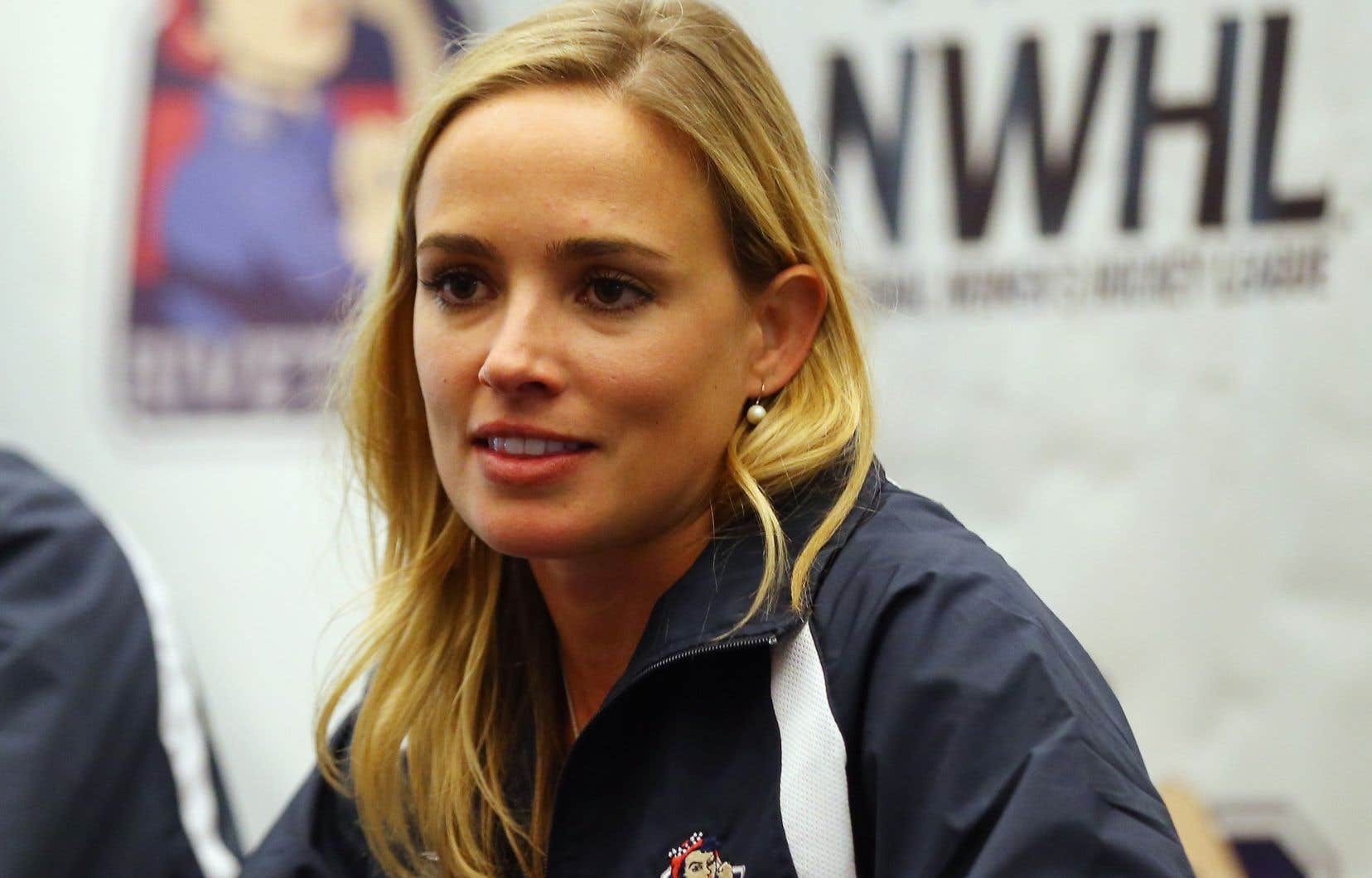 La commissaire et fondatrice de la Ligue nationale de hockey féminin, Dani Rylan