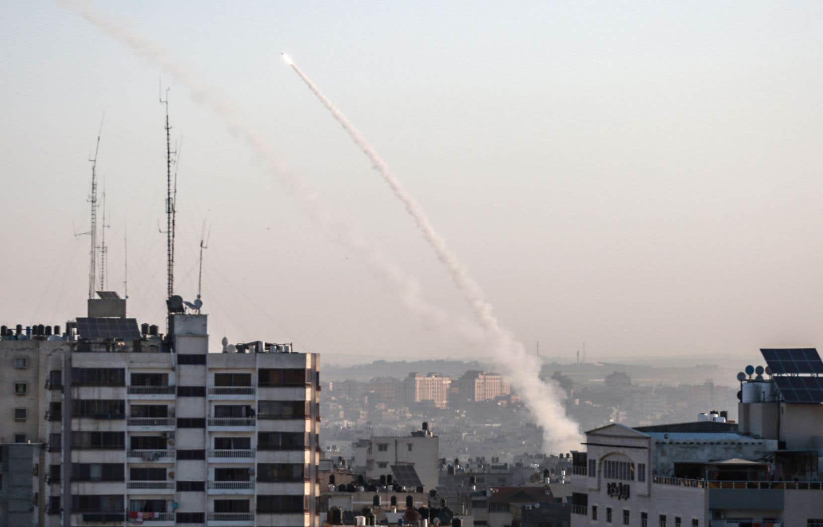 Une opération ciblée mortelle menée par Israël mardi matin contre un haut commandant du Djihad islamique à Gaza a déclenché des tirs de représailles avec le lancement de plus de 450 roquettes vers Israël.