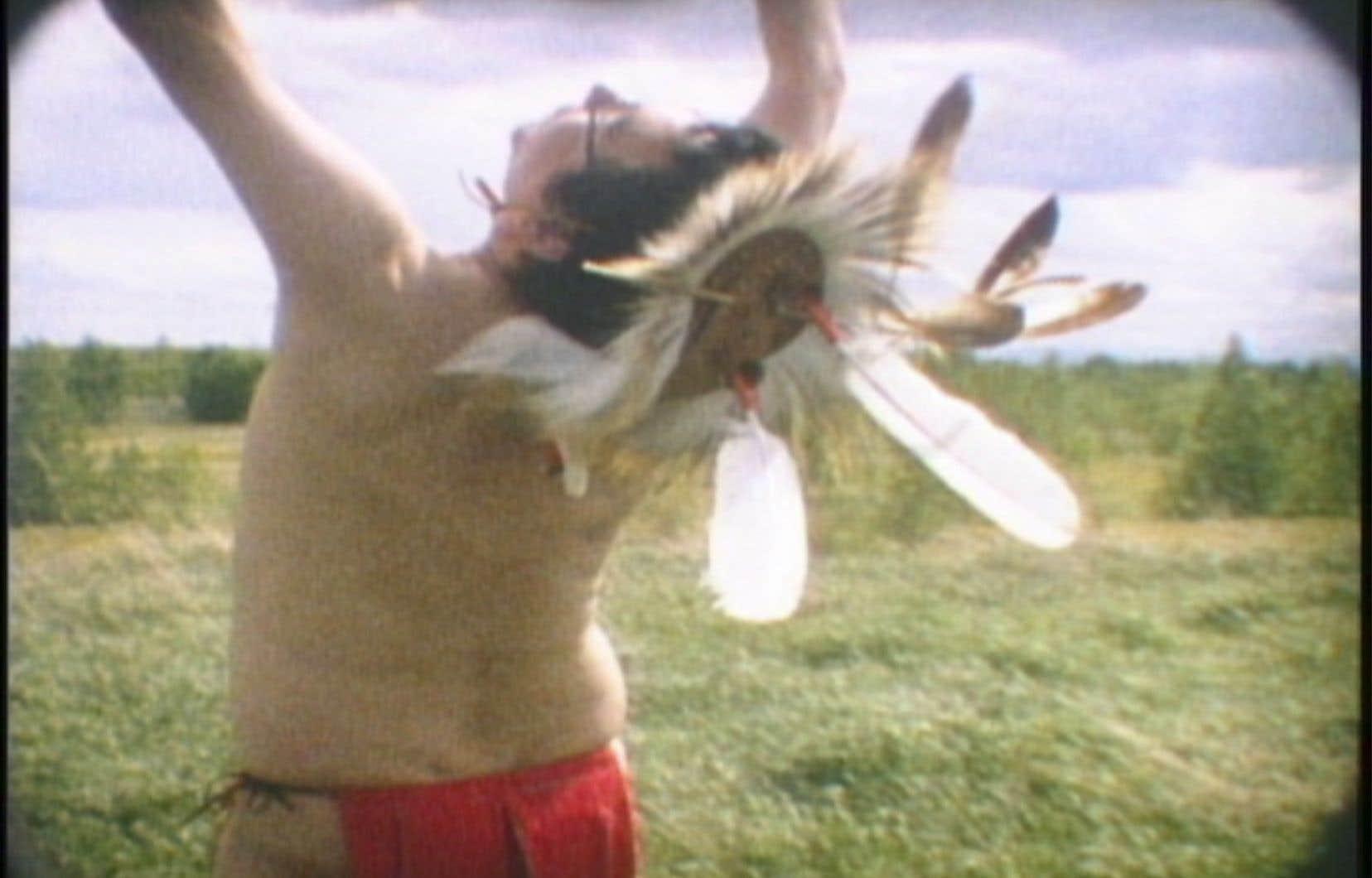 L'artiste médiatique autochtone canadien Terrance Houle présentera une conférence lors des Rencontres internationales Regards hybrides. Sur la photo, un extrait de son film <em>Landscape</em>, filmé en super 8.
