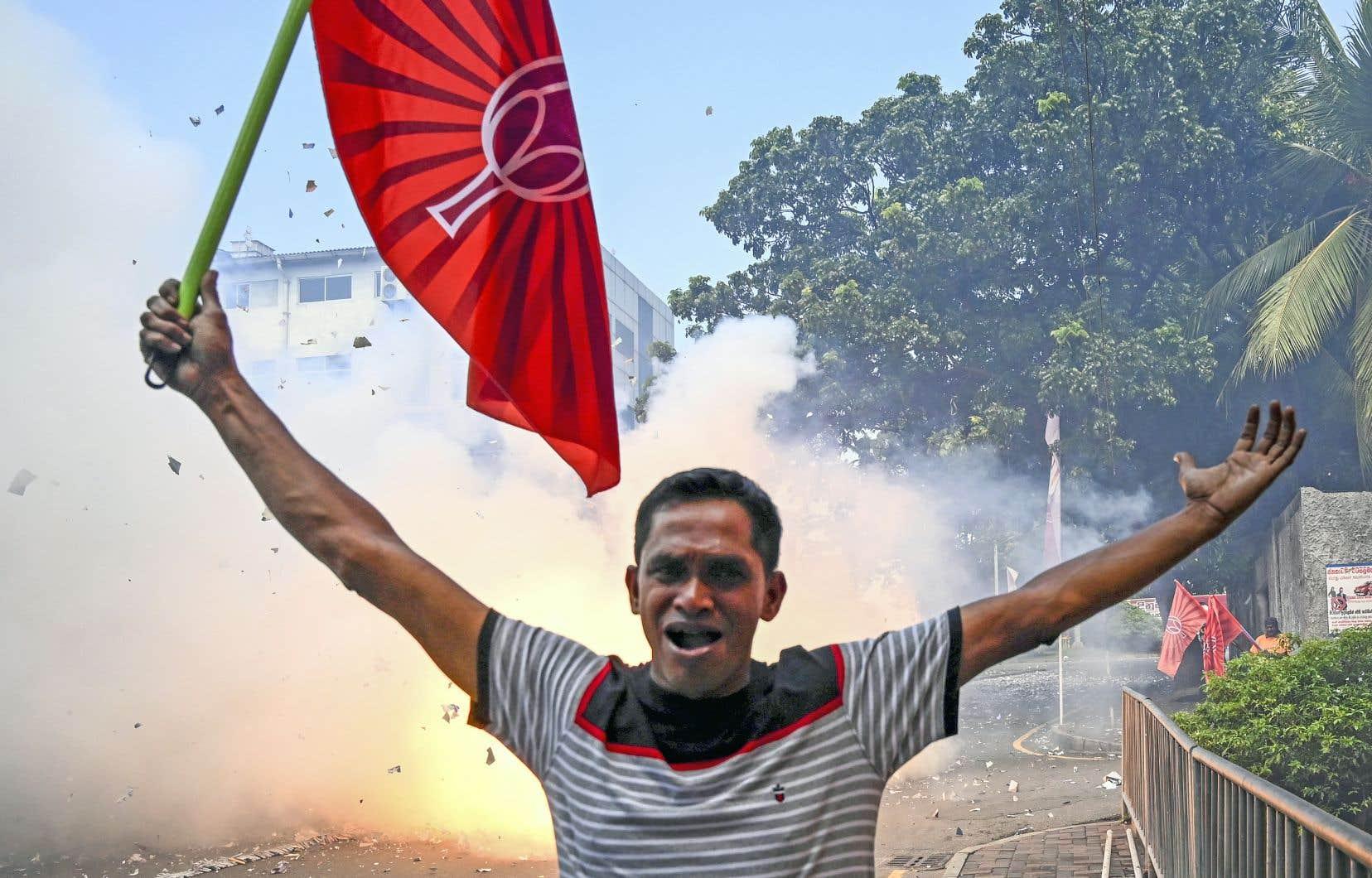 Les Sri-Lankais ont élu l'ancien lieutenant-colonel Gotabaya Rajapaksa à la présidence de l'île.