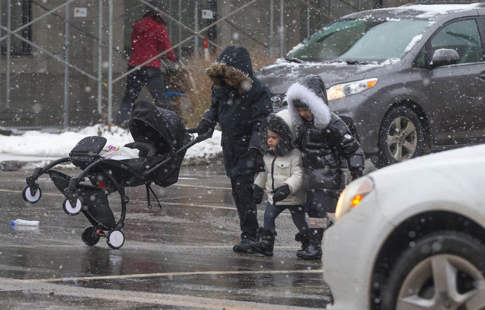 La Ville de Montréal envisage de sécuriser un minimum de 250 intersections par année.