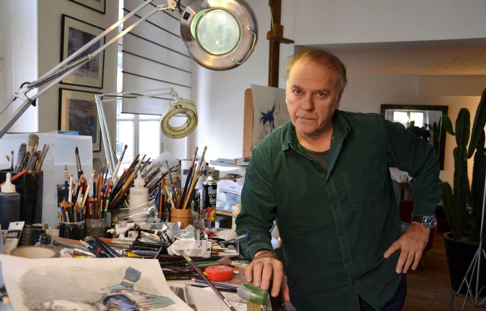 Enki Bilal dans son atelier situé au cœur du quartier des Halles, à Paris