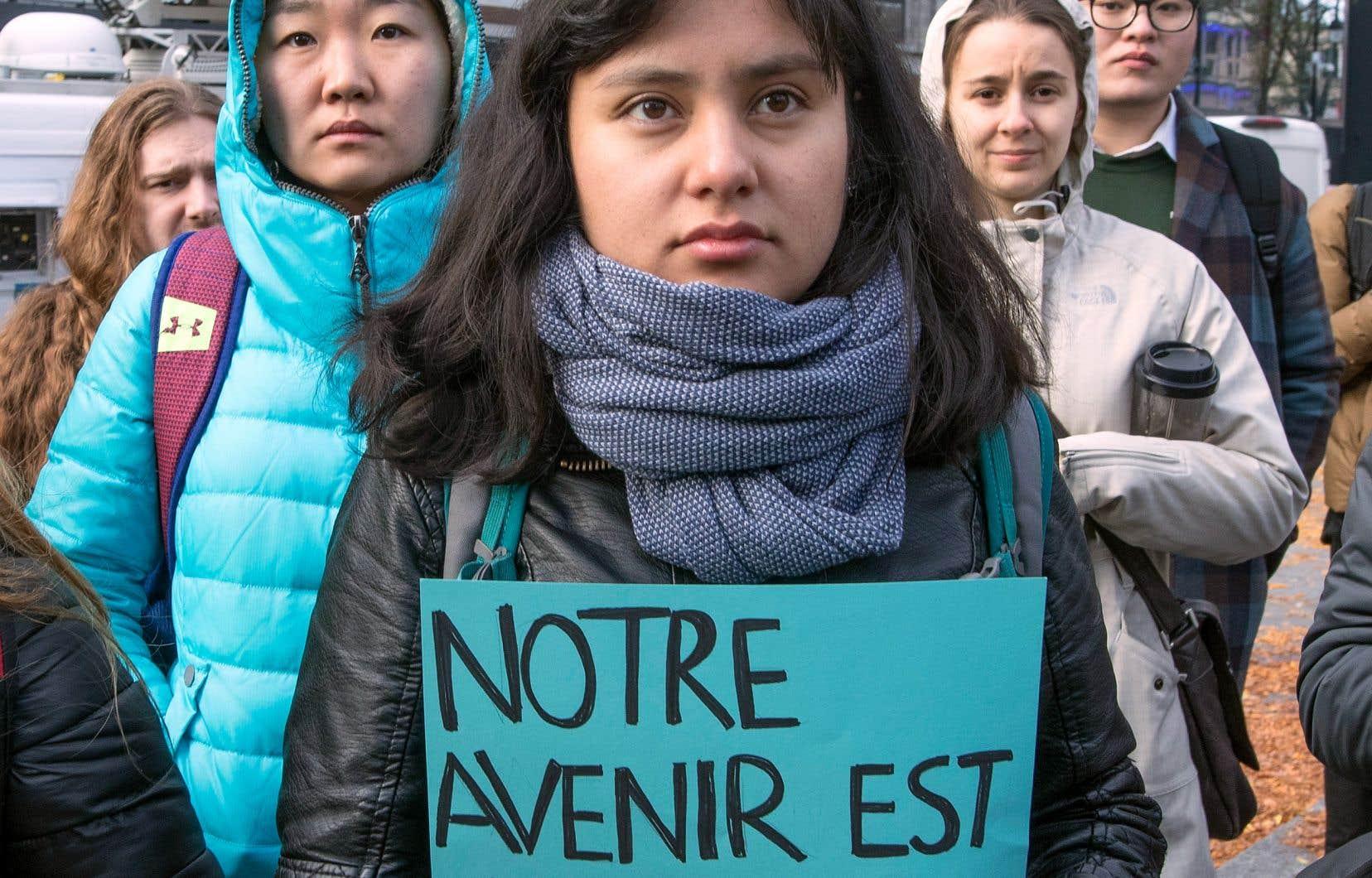 Les étudiants étrangers avaient manifesté contre les changements au Programme de l'expérience québécoise, le 8 novembre à Montréal.