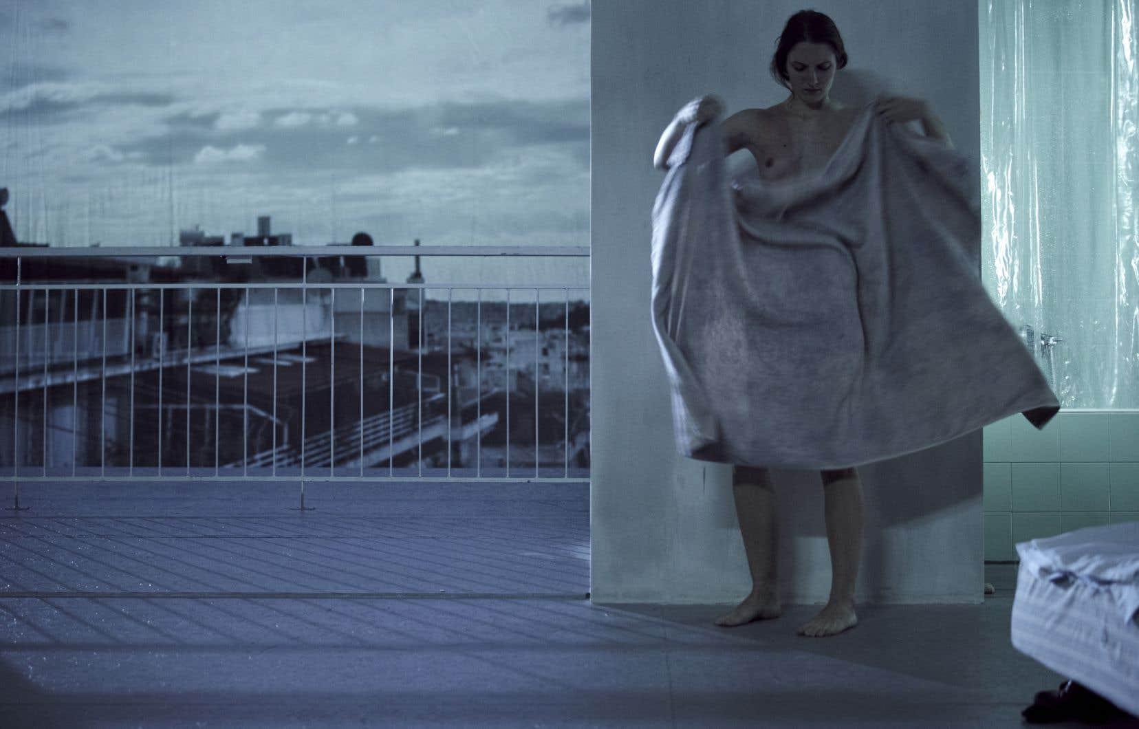 «Inside» émane d'une installation «en chair et en os» à Athènes, créée par Dimitris Papaioannou au printemps 2011.