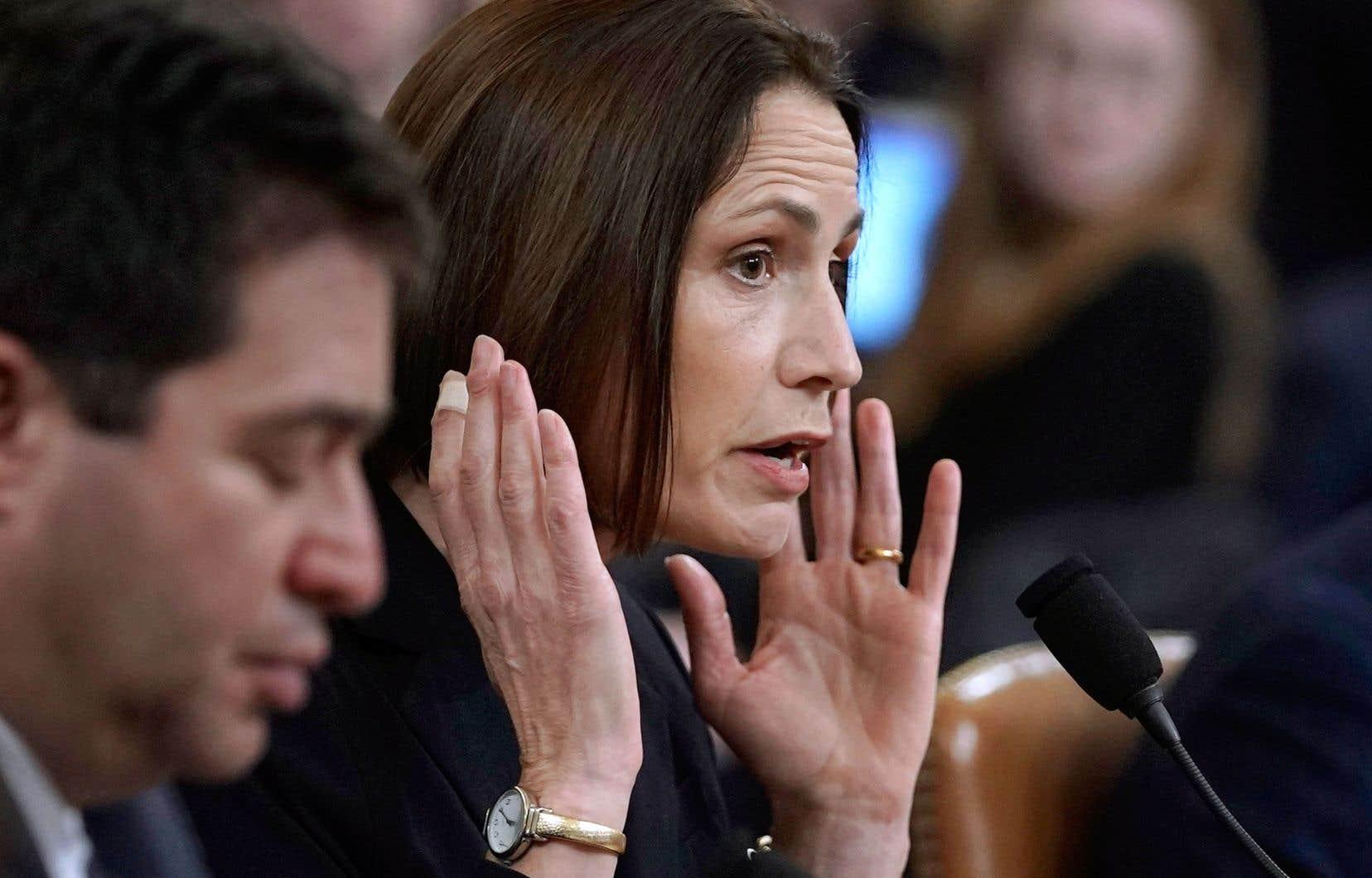 L'ex-conseillère à la Maison-Blanche Fiona Hill a livré un témoignage percutant, jeudi, aux audiences publiques du Congrès.