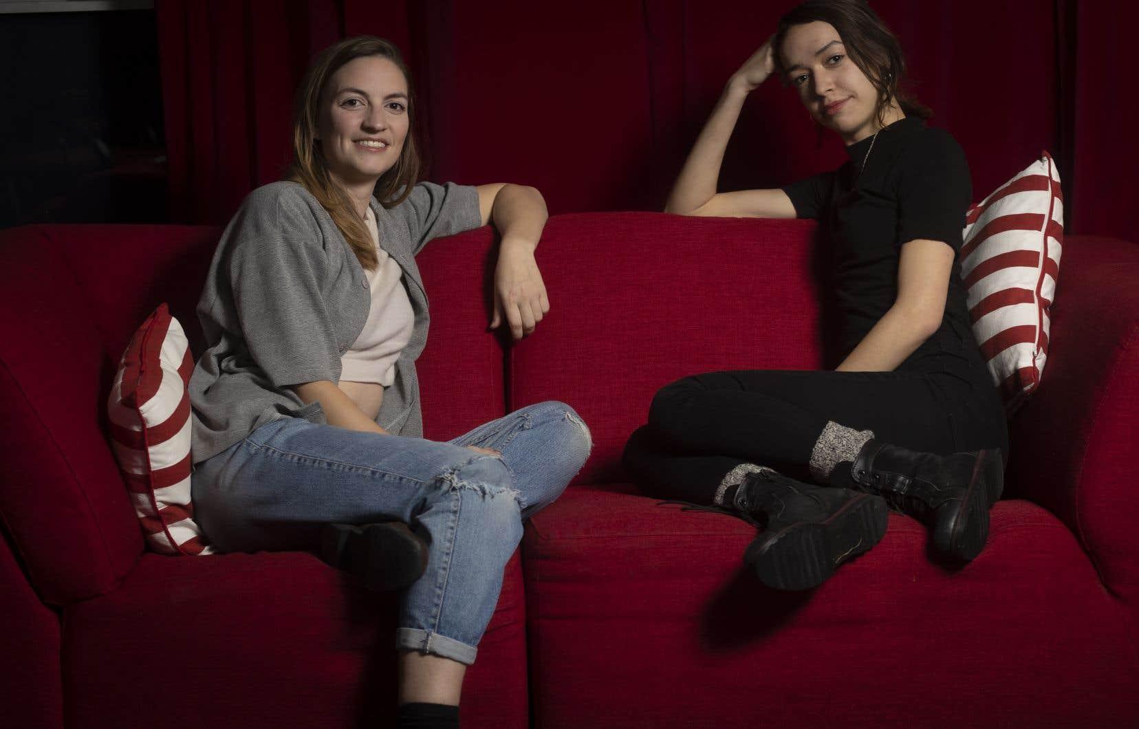 Carolanne Foucher  et Laura Amar  au théâtre Périscope,  àQuébec. Leurs textes  se projettent dans un futur plus ou moins lointain,  qui se révèle invariablement source  de craintes.