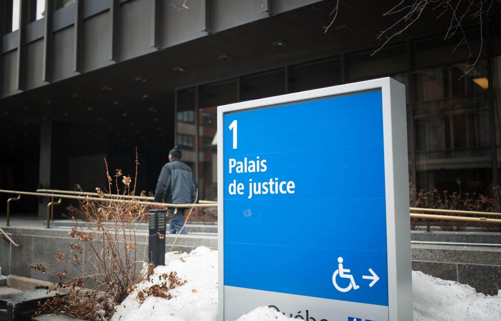 La demande d'autorisation d'action collective contre le gouvernement fédérala été déposée devant la Cour supérieure du Québec et la Cour fédérale du Canada.