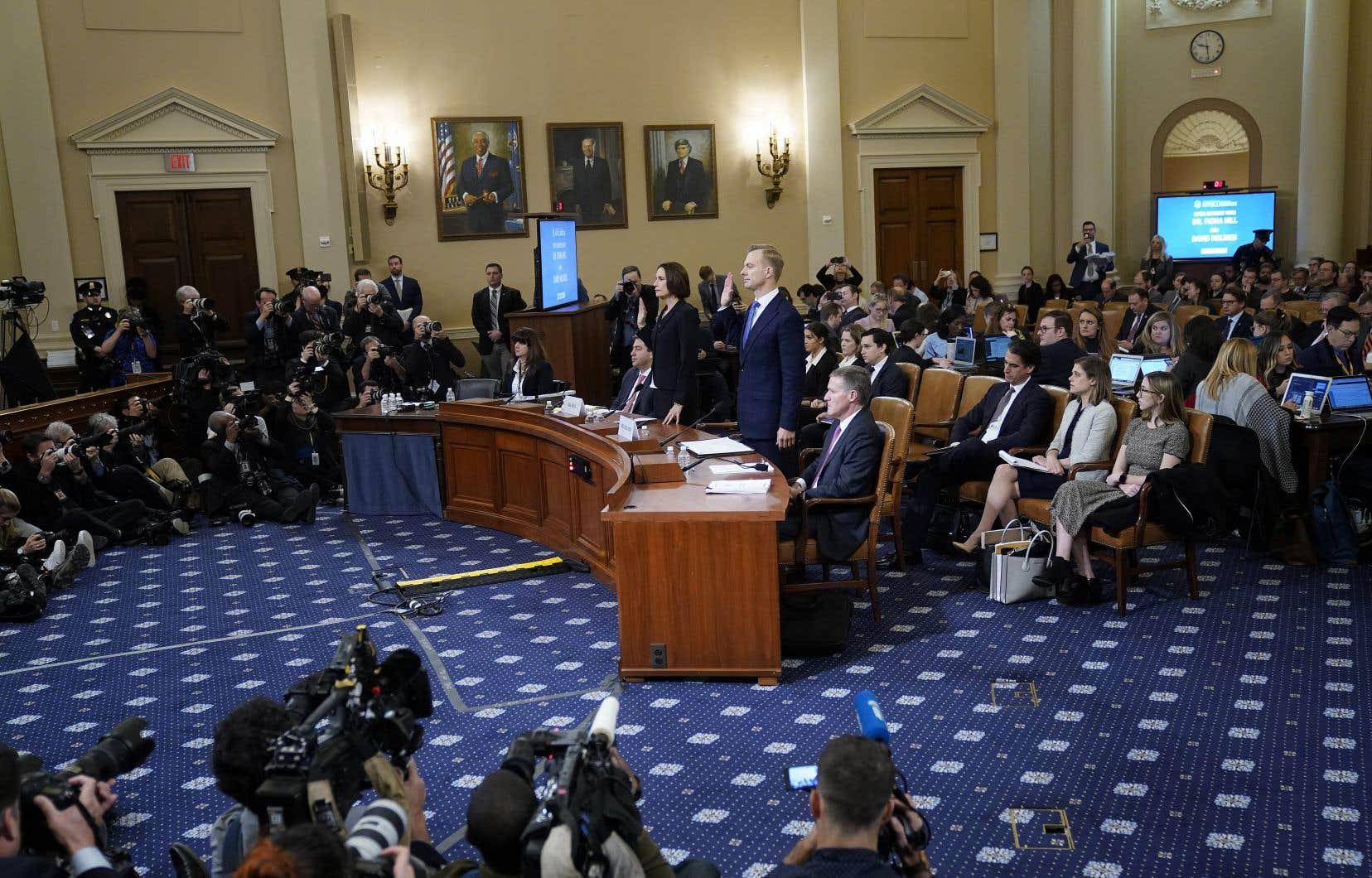 <p>Au cours des huit derniers jours, douze témoins entendus au Congrès ont livré de nombreux éléments à charge pour le président américain, sans ébranler — du moins en apparence — les élus républicains.</p>
