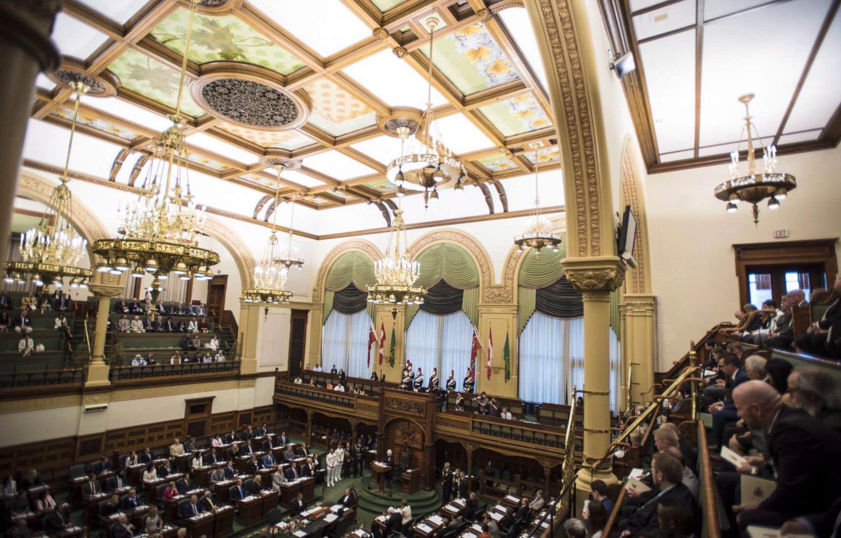 Le texte proposé par la cheffe de l'opposition officielle ontarienne demande également au gouvernement provincial de faire savoir son opposition à la loi, en demandant officiellement à Québec de l'abroger.