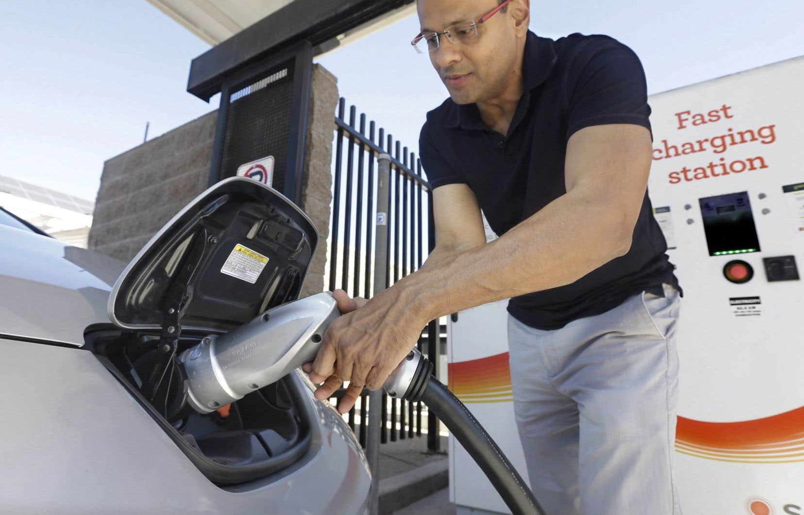 Pour réduire les plus grandes sources de GES sur la planète, l'ONU recommande le développement de nouvelles voitures «zéro émission» aux États-Unis.