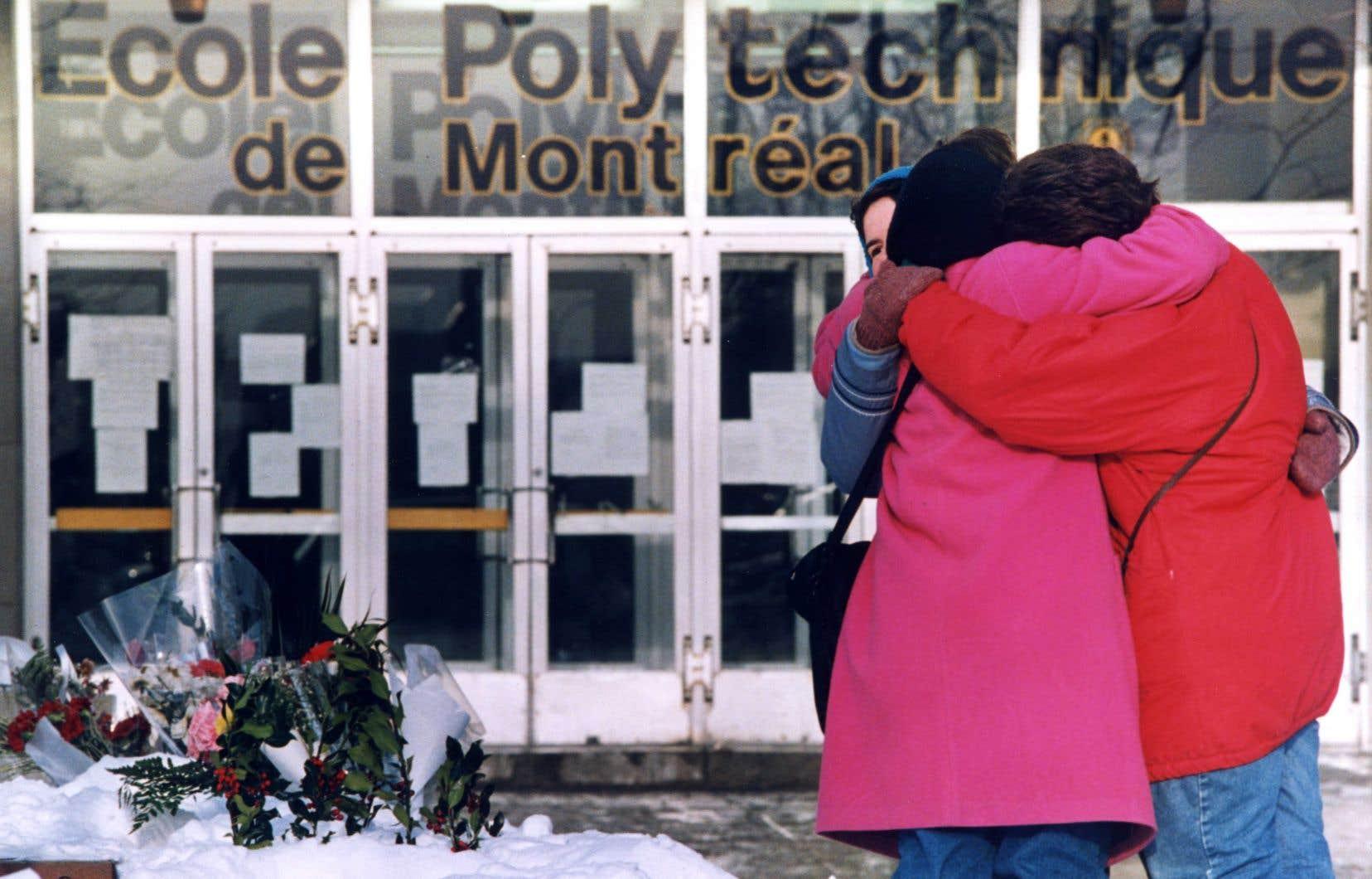 «Les fusils d'assaut sont prisés par les tueurs de masse comme l'ont démontré ici les tueries de Polytechnique (1989), Dawson (2006), l'attentat au Métropolis (2012) et à la mosquée de Québec (2017)», relève l'auteur.