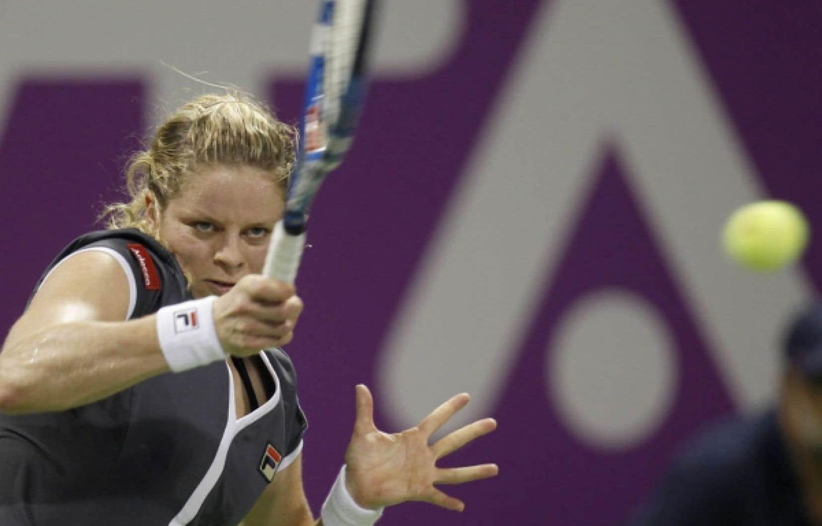 Seule joueuse du plateau à s'être déjà imposée au Masters, Kim Clijsters n'a fait qu'une bouchée de Jelena Jankovic dans le groupe blanc, hier à Doha.<br />