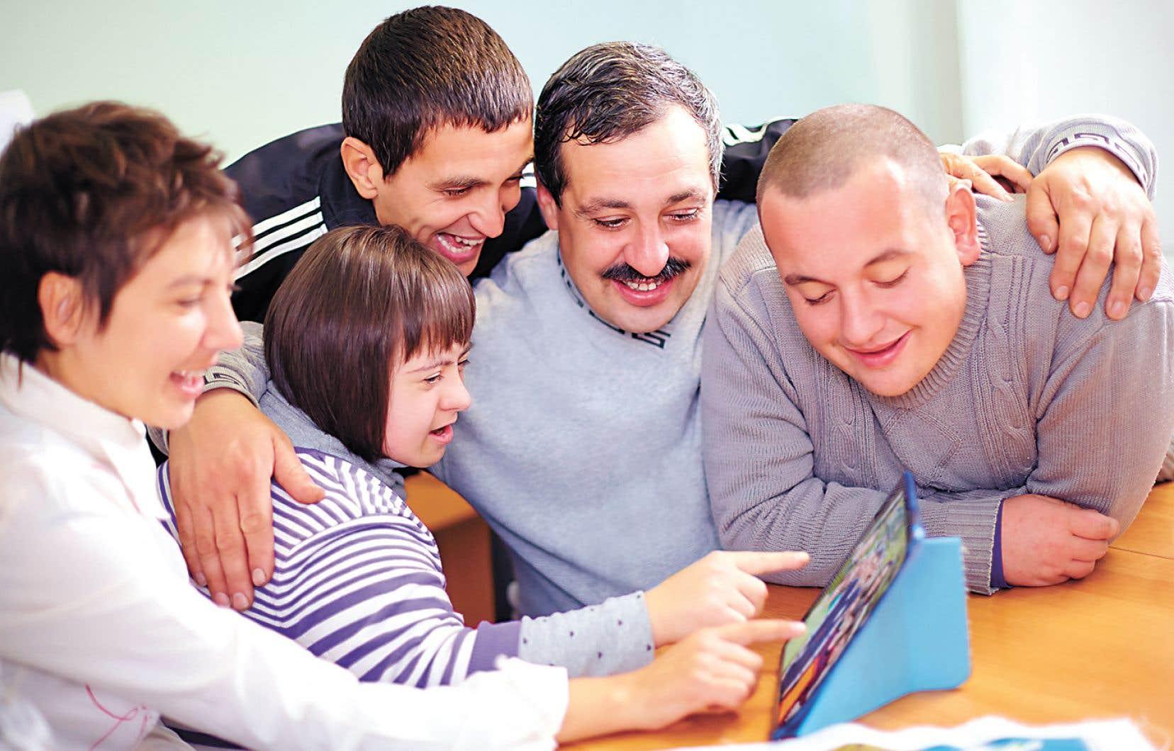 Les jeunes qui vivent des difficultés peuvent être pris en charge par des familles d'accueil.