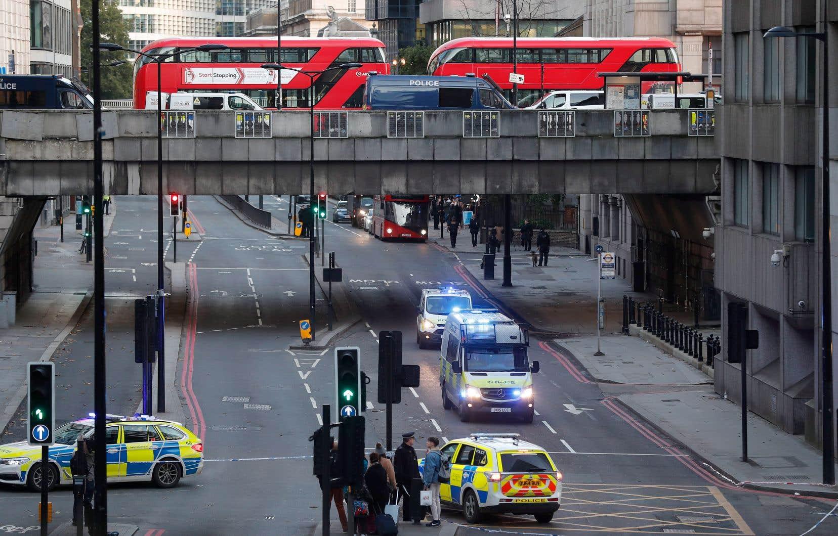 L'assaillant de London Bridge était connu des services de sécurité et lié à des «groupes terroristes islamistes», selon une source sécuritaire.