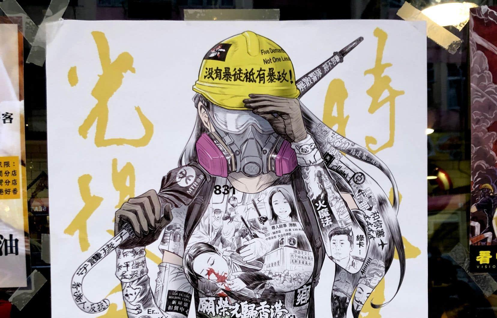 Une des plus célèbres affichettes de Kai Lan Egg se retrouve un peu partout en ville. Elle montre une manifestante filiforme, portant casque, masque à gaz et parapluie.