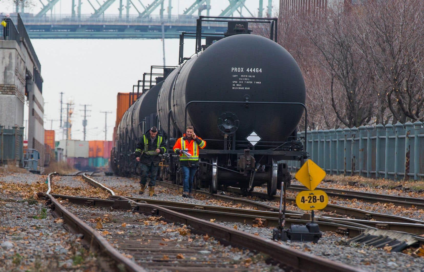 Les premières augmentations du prix du propame ont été observées le 18 novembre, soit 24 heures avant le débrayage de 3200 travailleurs du CN.