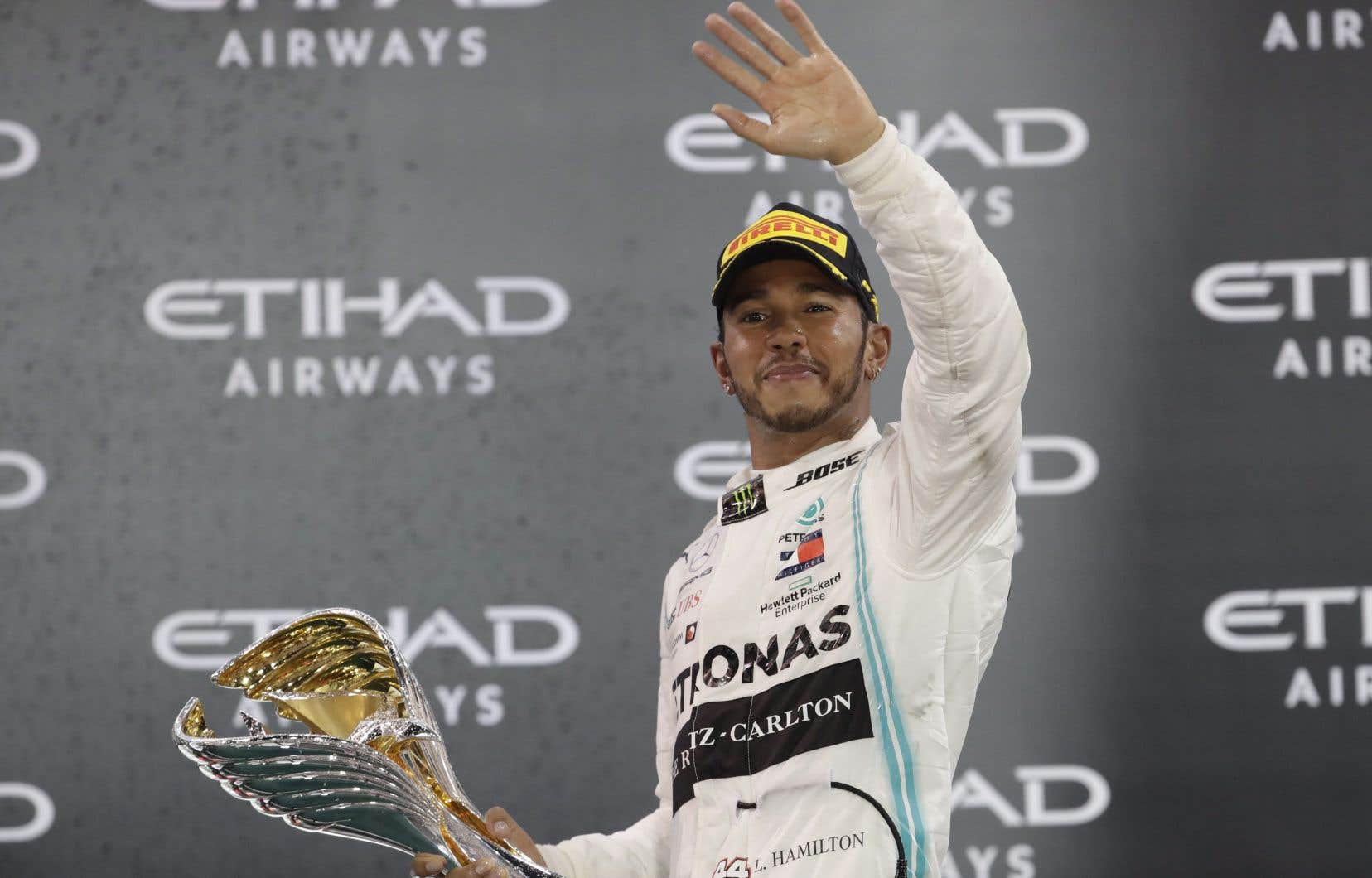 Lewis Hamilton n'est maintenant plus qu'à sept victoires du record de la F1 appartenant à l'Allemand Michael Schumacher.