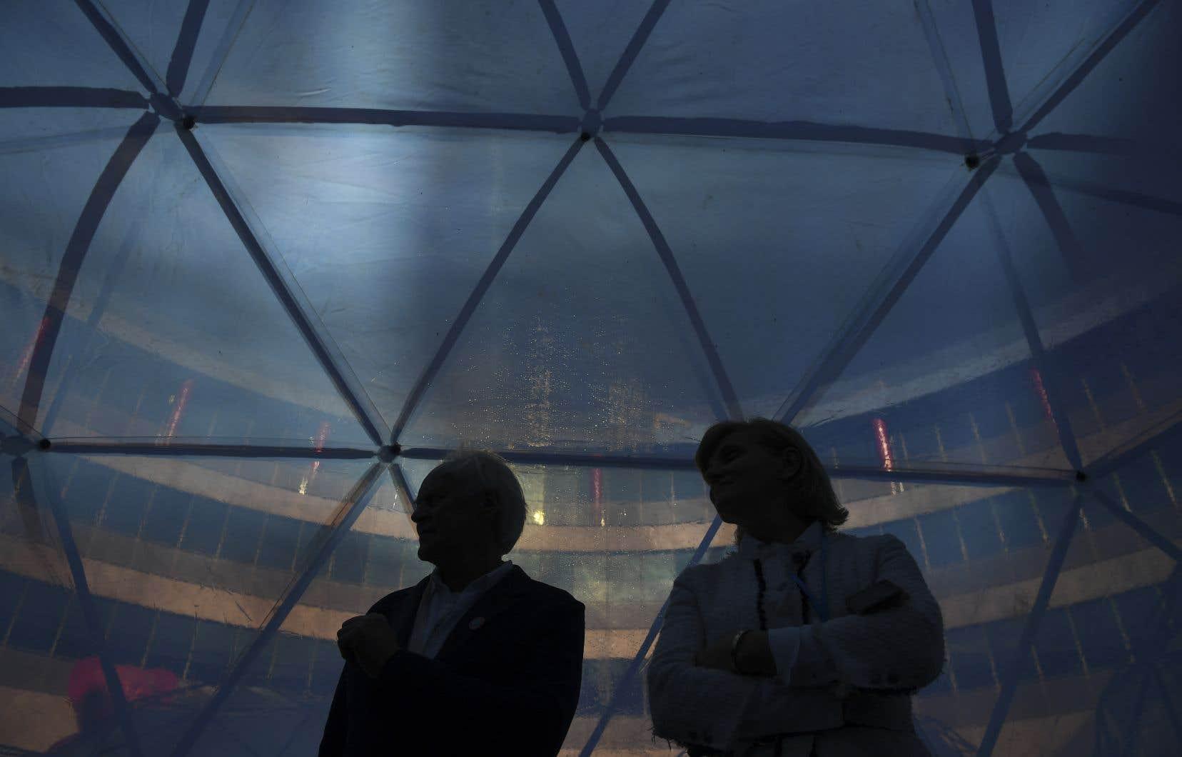 Une installation immersive permet d'expérimenter la réalité quotidienne de la pollution de l'air à la conférence de l'ONU sur le climat, qui se déroule à Madrid.