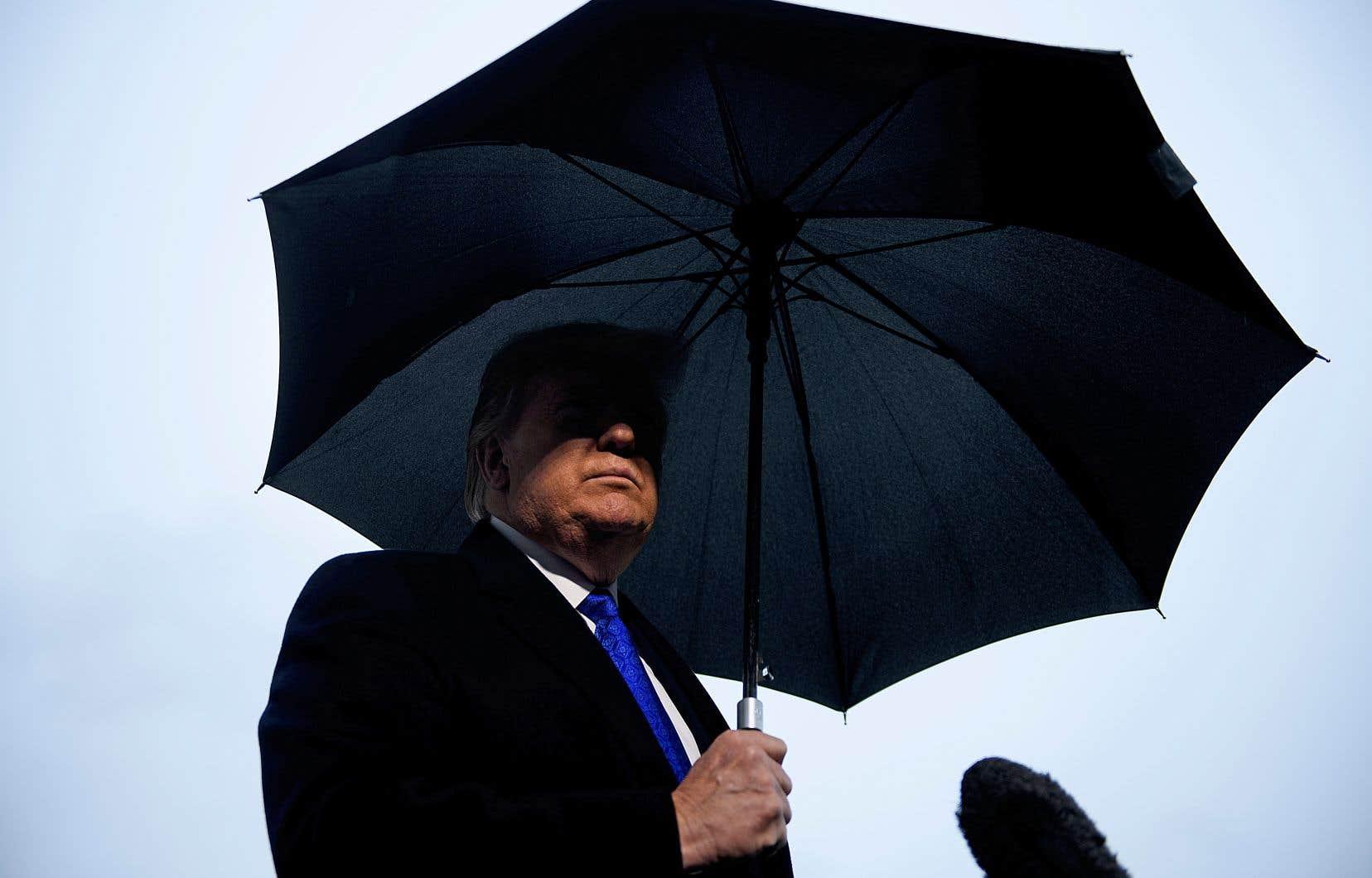 Donald Trump a discuté lundi avec des journalistes avant de s'envoler pour le sommet de l'OTAN, à Londres.