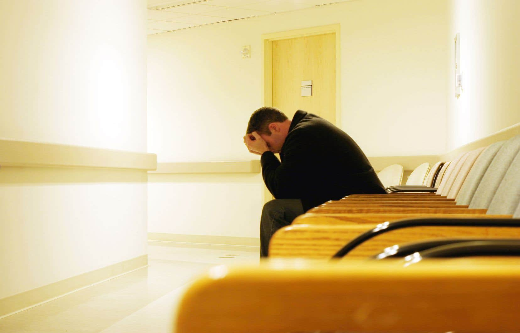 «Les enjeux sociaux et structuraux de la santé mentale, bien que clairement démontrés, n'existent nulle part dans le discours public», affirment les auteurs.