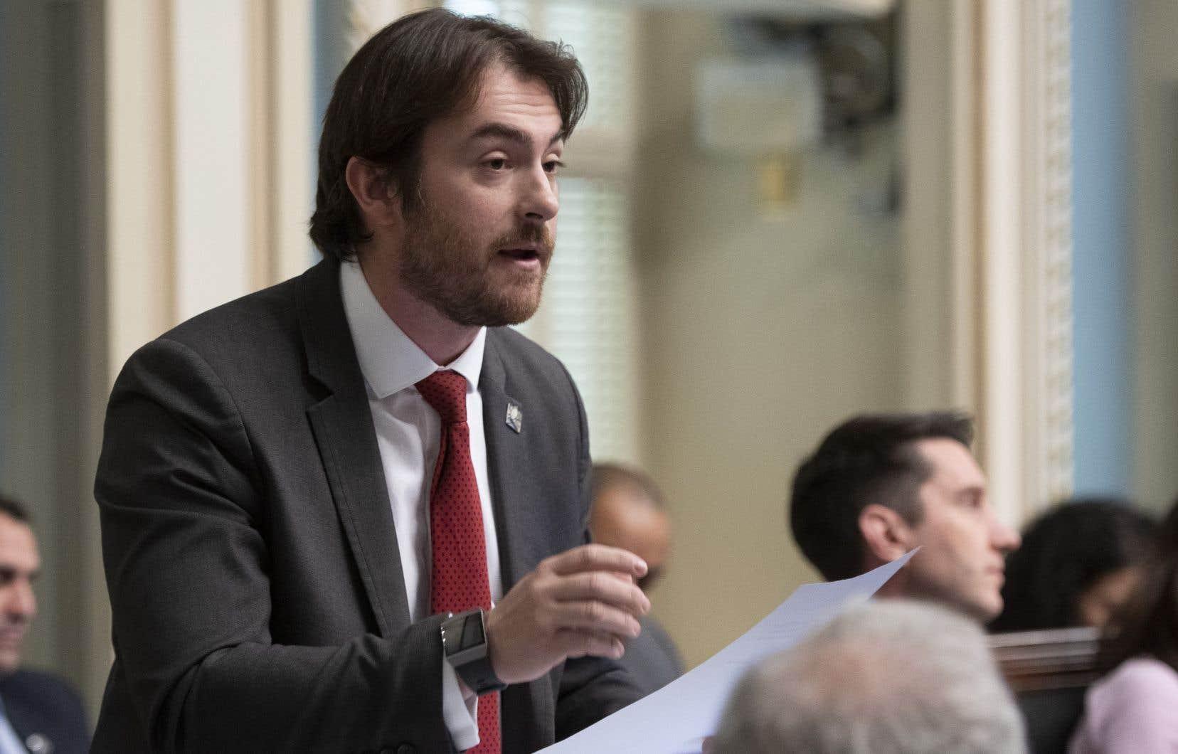 Le député libéral Gregory Kelley propose la gratuité de l'enseignement du français pour toute personne résidant au Québec.