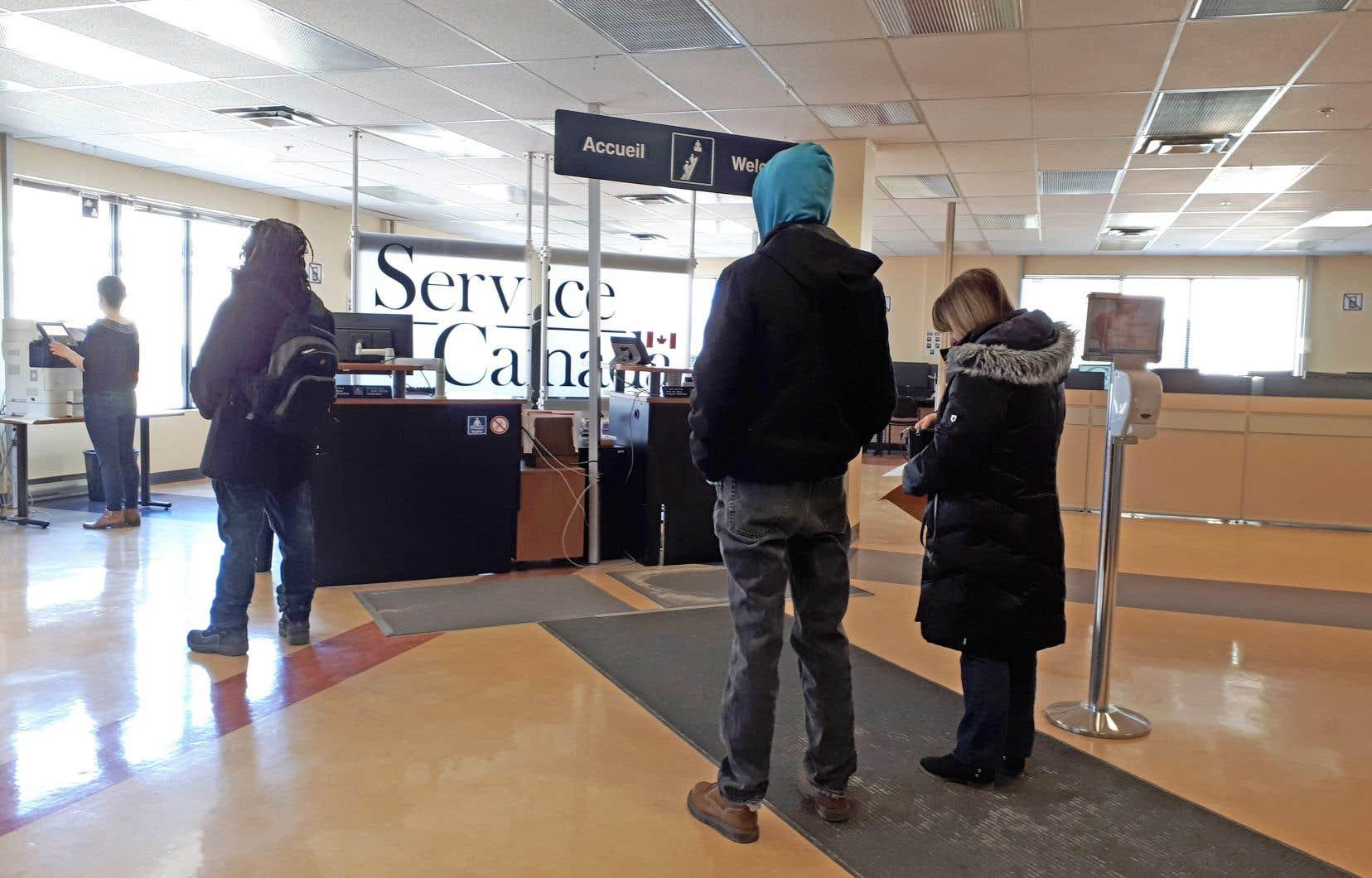 Le taux de chômage au Québec a augmenté de 0,6point de pourcentage le mois dernier pour atteindre 5,6%, à la suite d'une hausse du nombre de personnes à la recherche de travail.