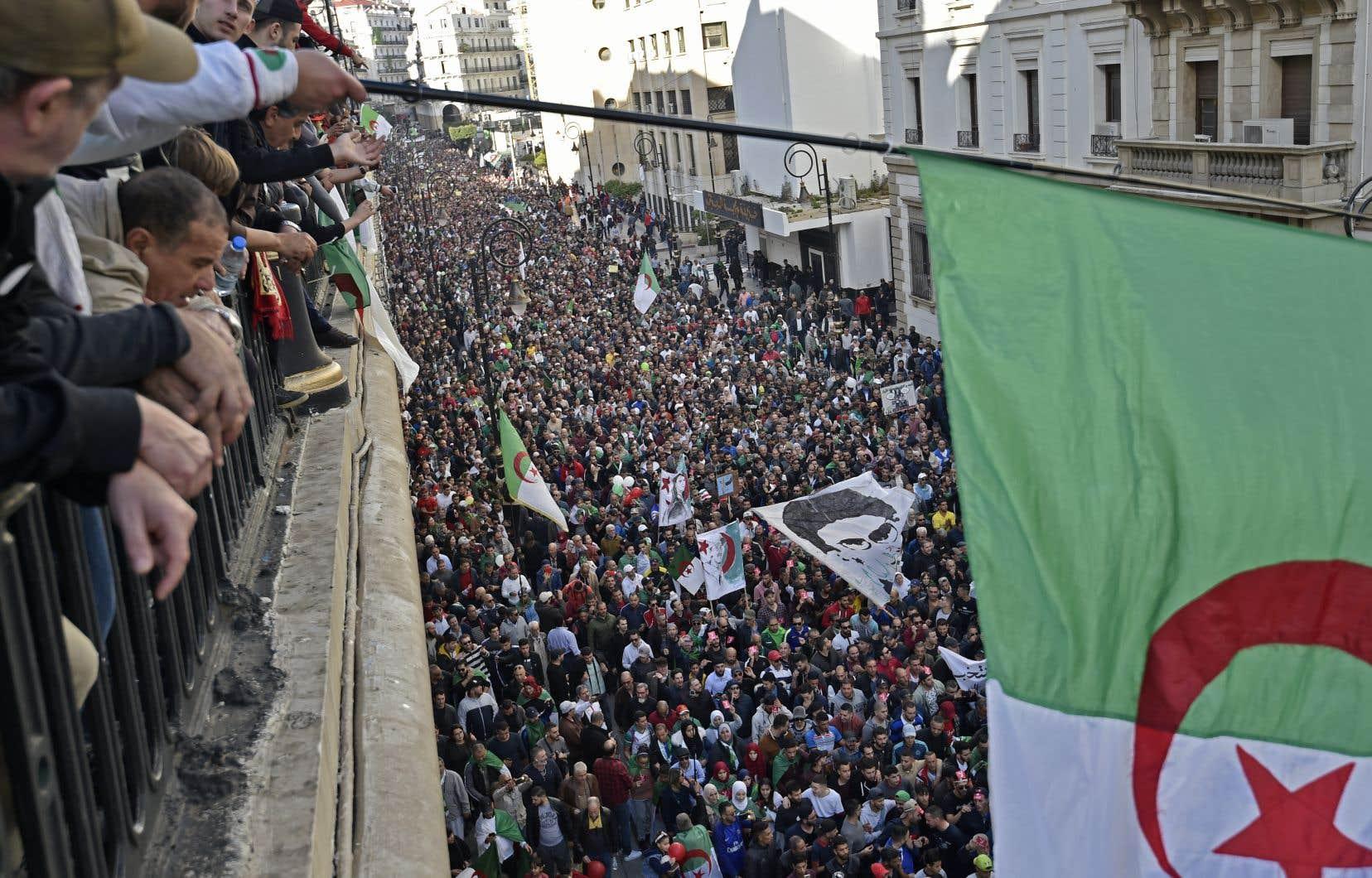 La participation semble comparable à celles des plus grandes manifestations de mars, avril et mai.<br />