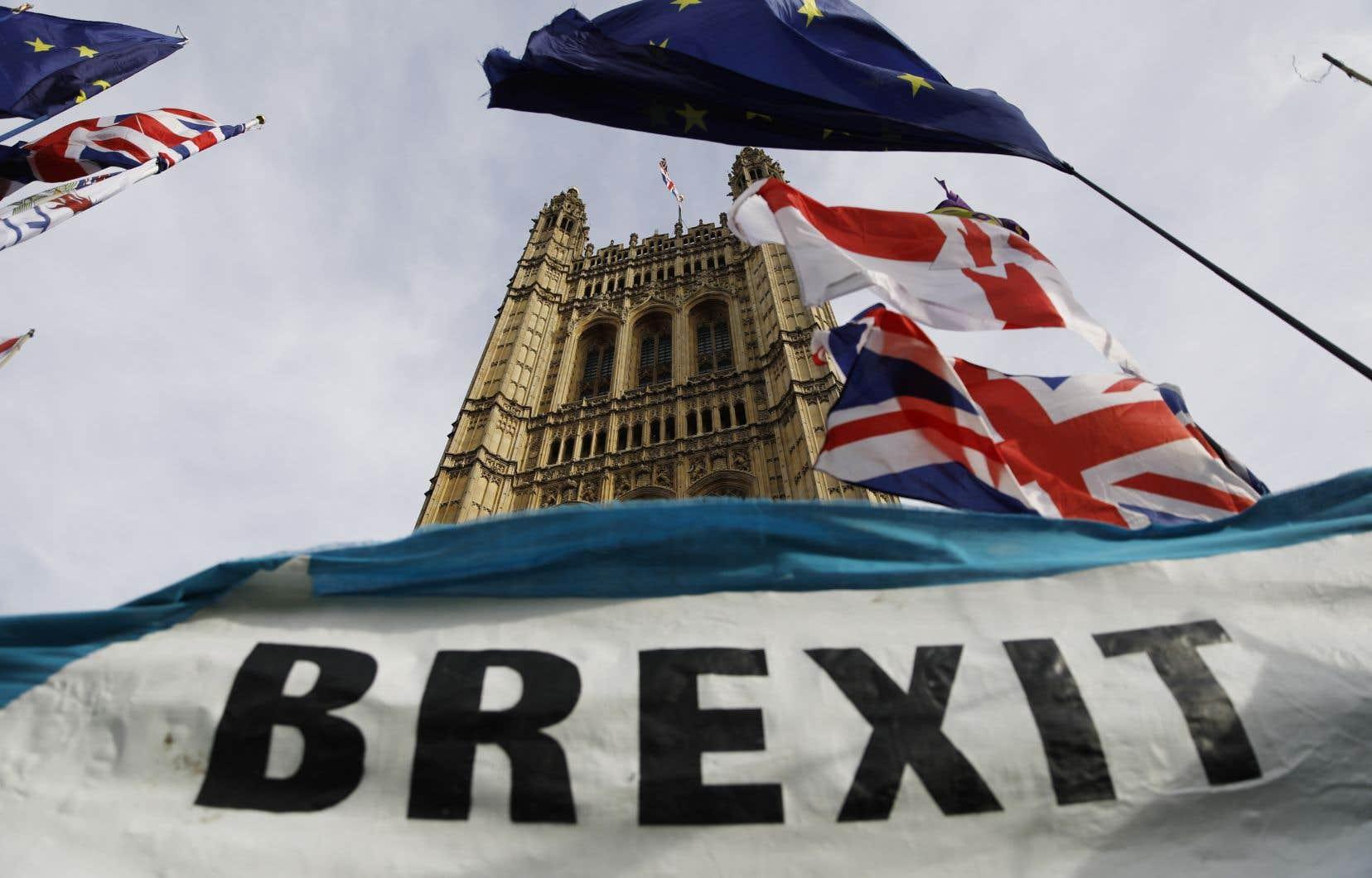 «Actuellement, le Royaume-Uni doit harmoniser ses politiques avec un ensemble dont ses structures économiques tendent à l'éloigner», écrit l'auteur.