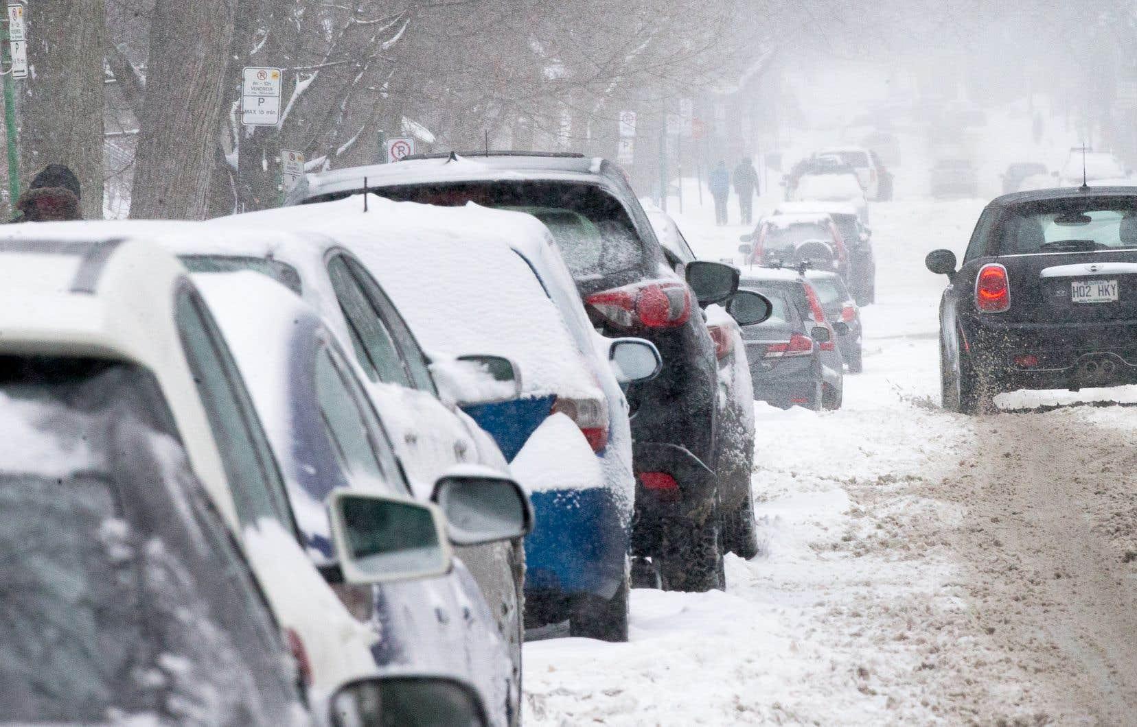 Les auteurs sont préoccupés par l'intention du gouvernement d'aller de l'avant avec des projets d'augmentation de la capacité routière.