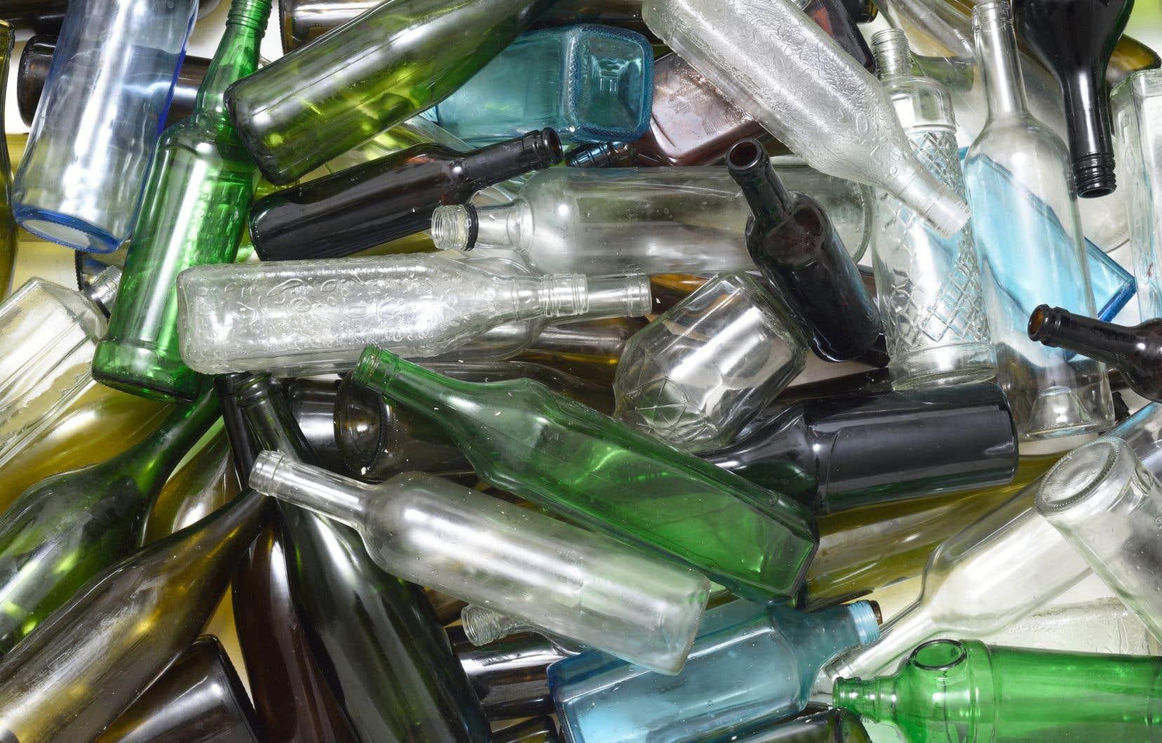 Dans son rapport, la commission recommandait d'appliquer la consigne aux bouteilles de vin et de spiritueux pour qu'elles soient recyclées.