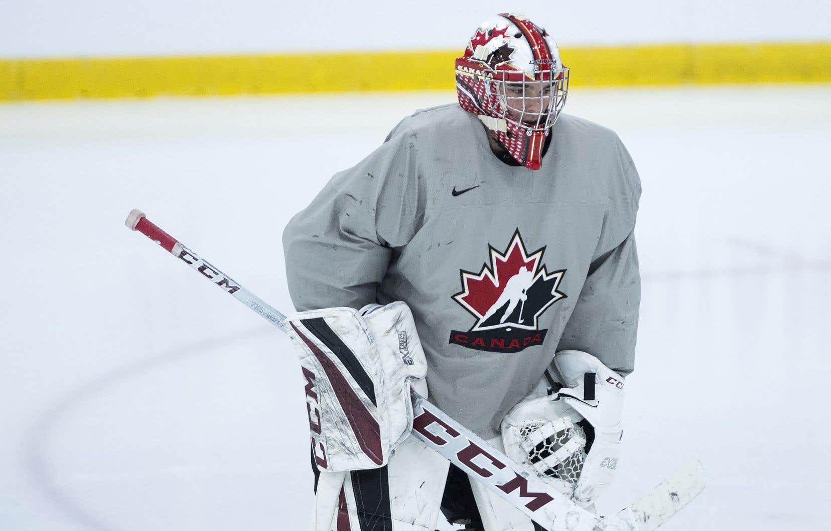 Le gardien Nico Daws à l'entraînement au camp de sélection d'Équipe Canada junior