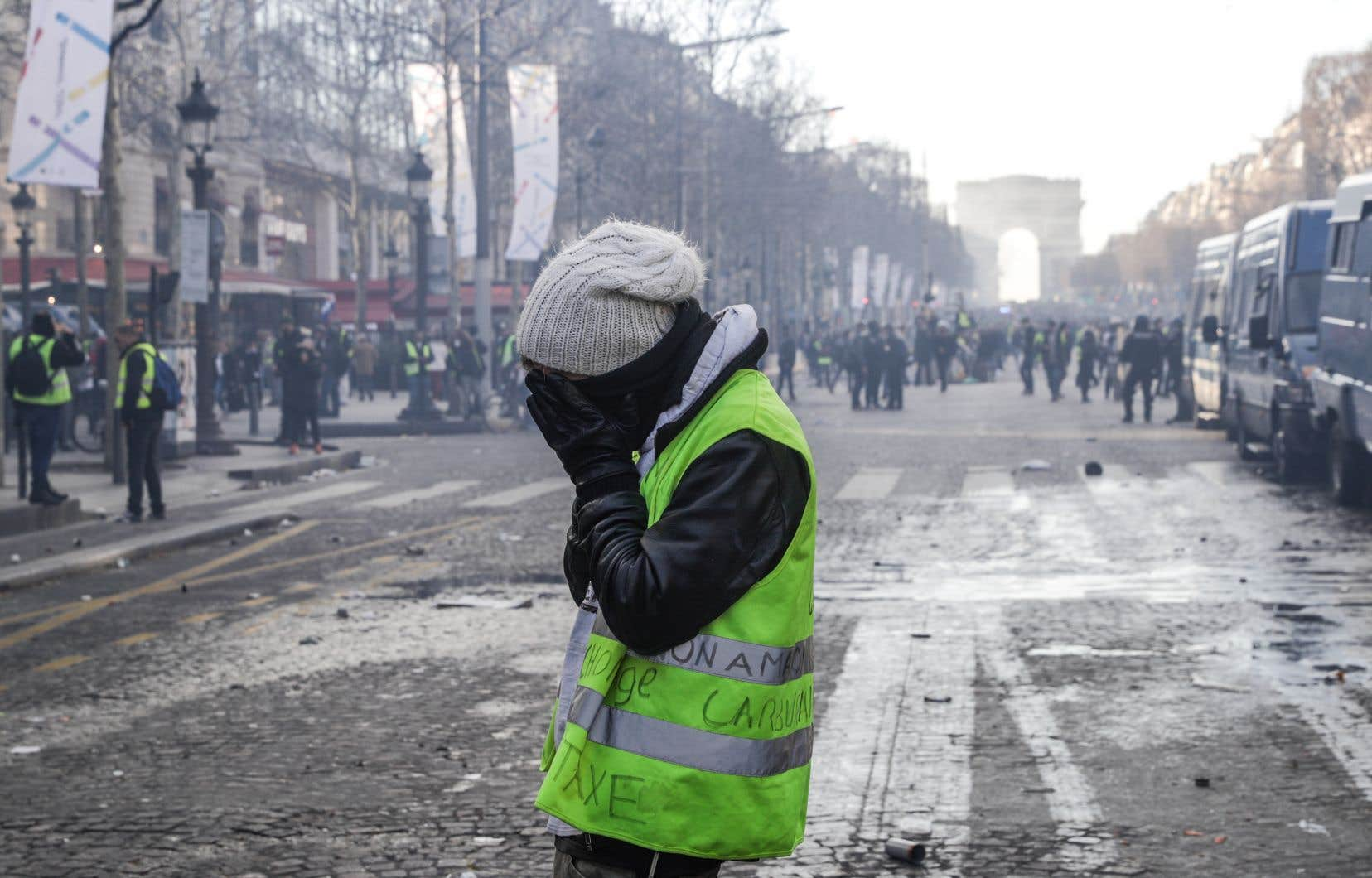 Comment nos sociétés en sont-elles venues à considérer une violence légitime, celle des policiers, et une violence répressible, celle des manifestants?