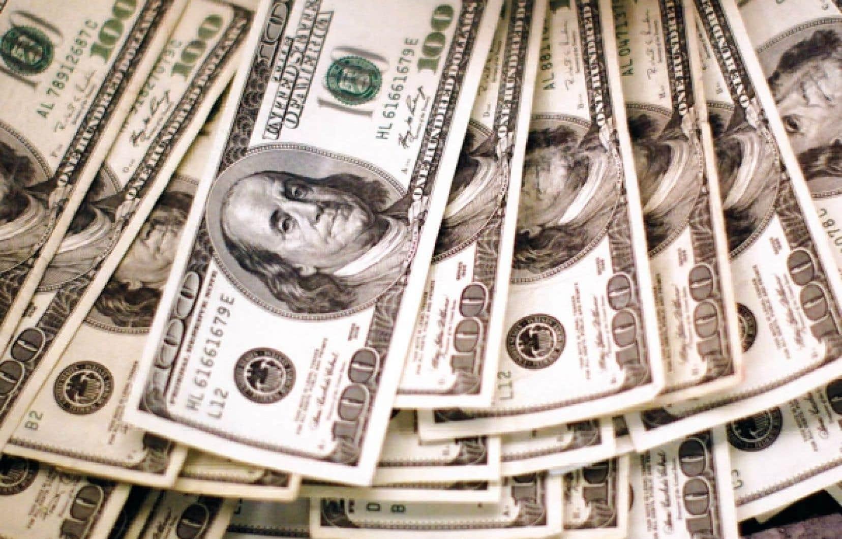 Jusqu'ici, la Fed a acquis pour environ 1700 milliards en obligations, notamment pour compenser le fait de ne plus pouvoir utiliser son taux directeur pour stimuler l'économie et éviter la désinflation.<br />