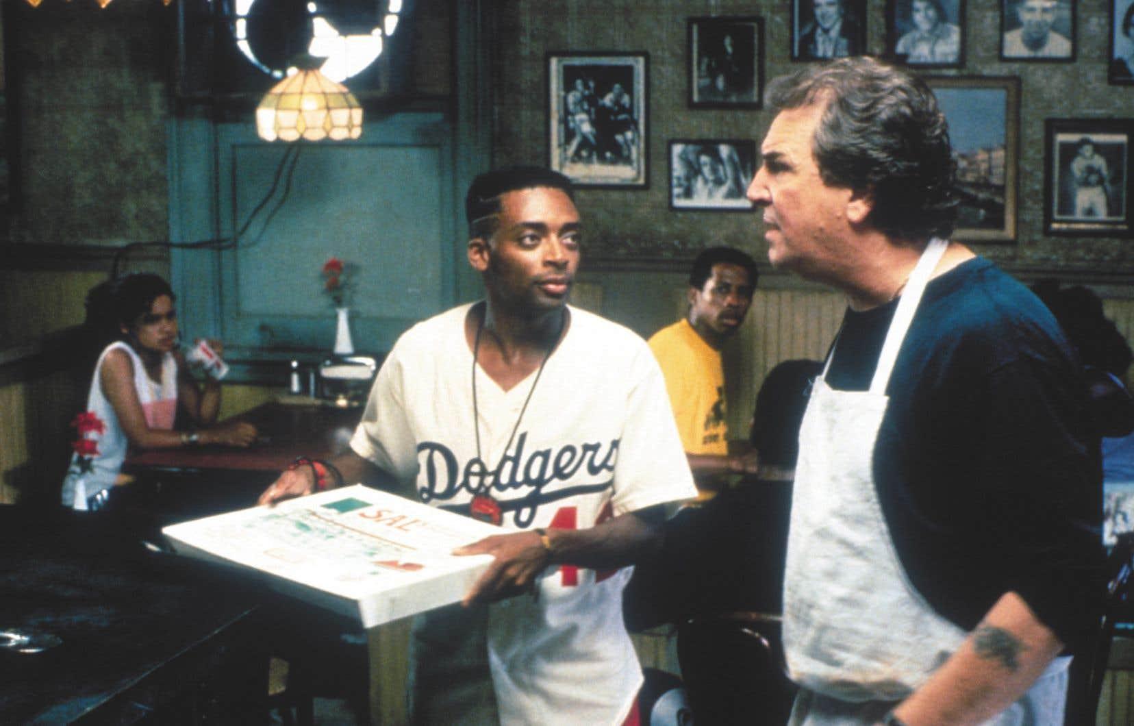 Danny Aiello donnait la réplique à Spike Lee (à gauche) dans le film «Do the Right Thing».