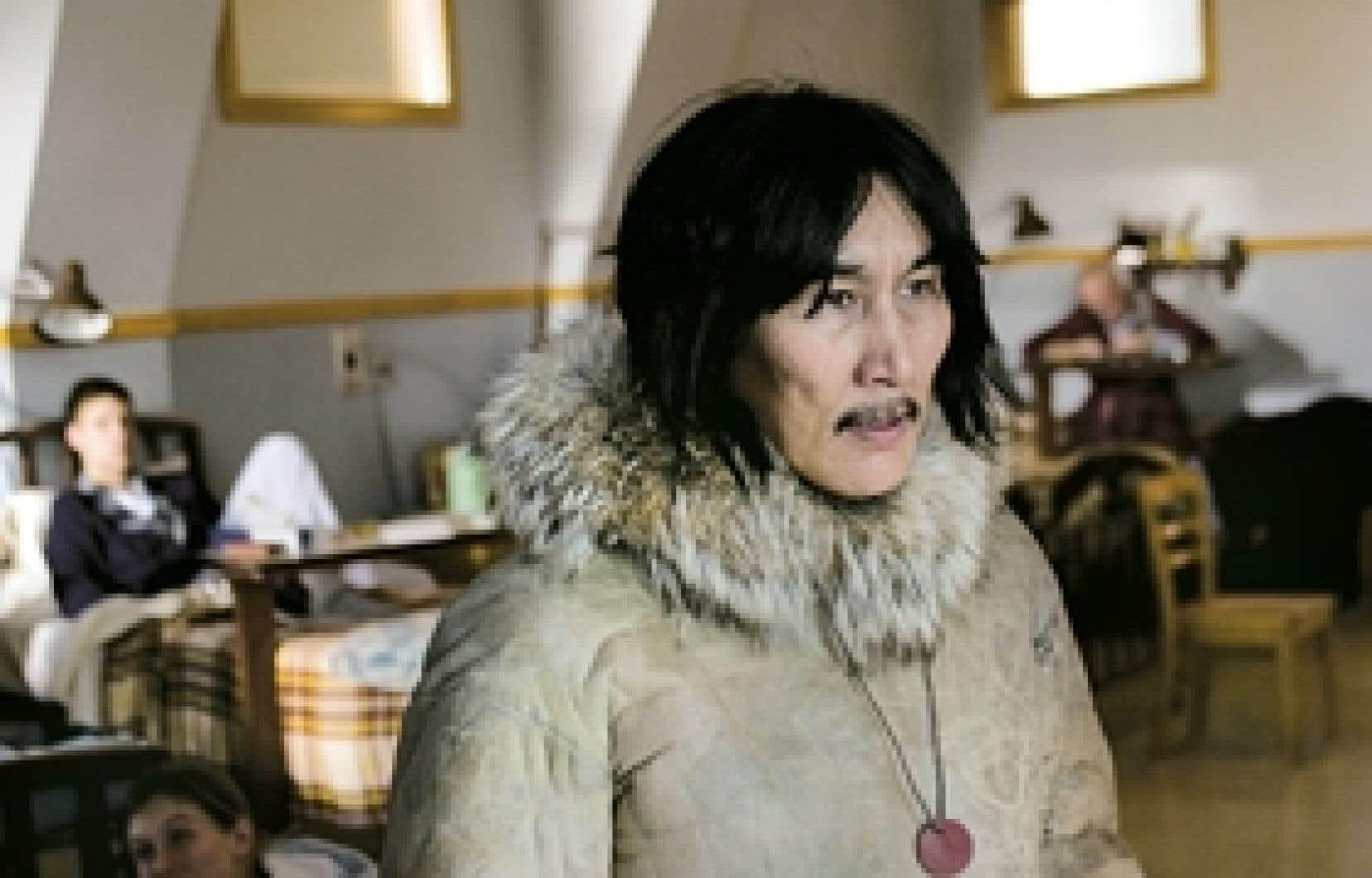Dans Ce qu'il faut pour vivre de Benoît Pilon, Tivii (joué par Natar Ungalaaq) se voit transplanté dans un sanatorium de Québec, en pleine Grande Noirceur.