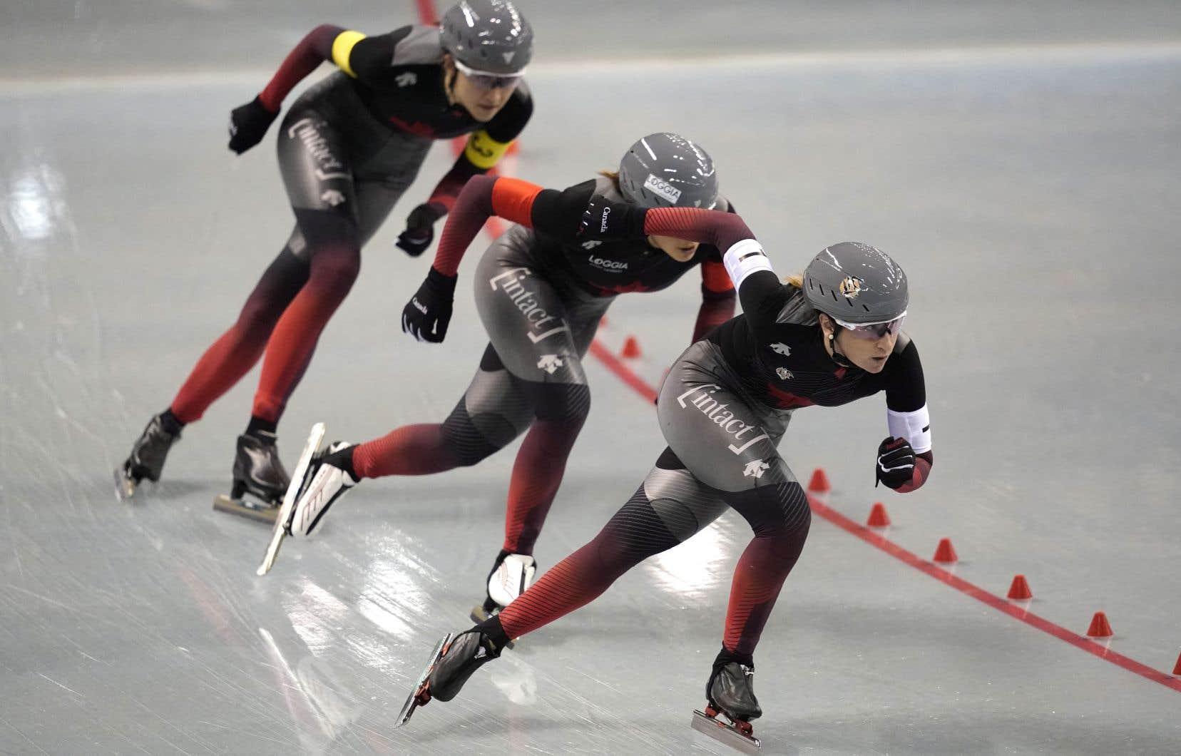 Les patineusesIvanie Blondin, Isabelle Weidemann et Valérie Maltais