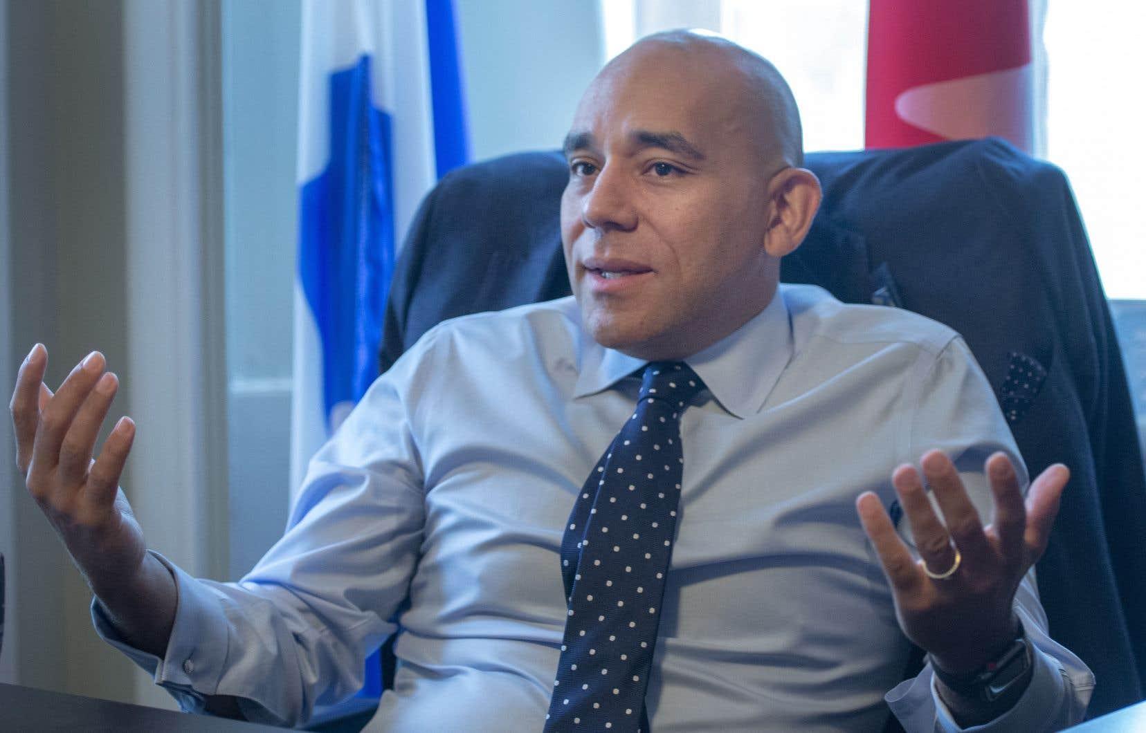 Les anglophones «n'arrivent pas à vivre pleinement l'expérience québécoise», note Christopher Skeete, adjoint parlementaire du premier ministre François Legault.