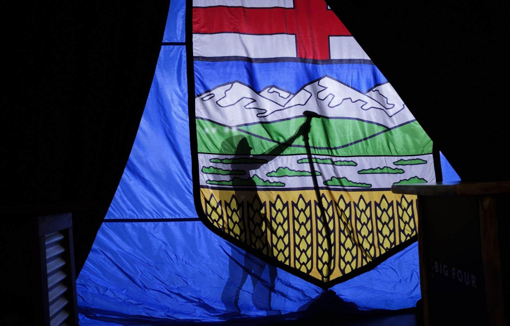 Les avocats du gouvernement fédéral défendent la taxe nationale sur le carbone contestée devant la Cour d'appel de l'Alberta en disant que la crise climatique est un problème national et mondial qui nécessite des mesures nationales.