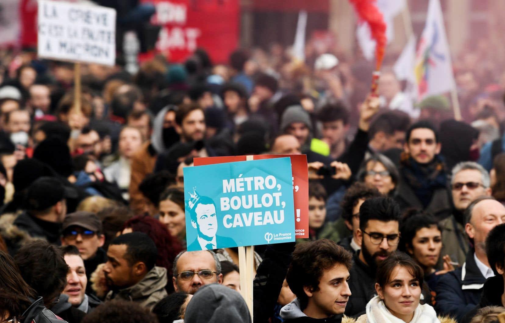 <p>Au lendemain d'une troisième journée de manifestation, les leaders syndicaux et patronaux rencontrent mercredi le premier ministre Édouard Philippe et le nouveau «M.Retraites» du gouvernement, Laurent Pietraszewski.</p>
